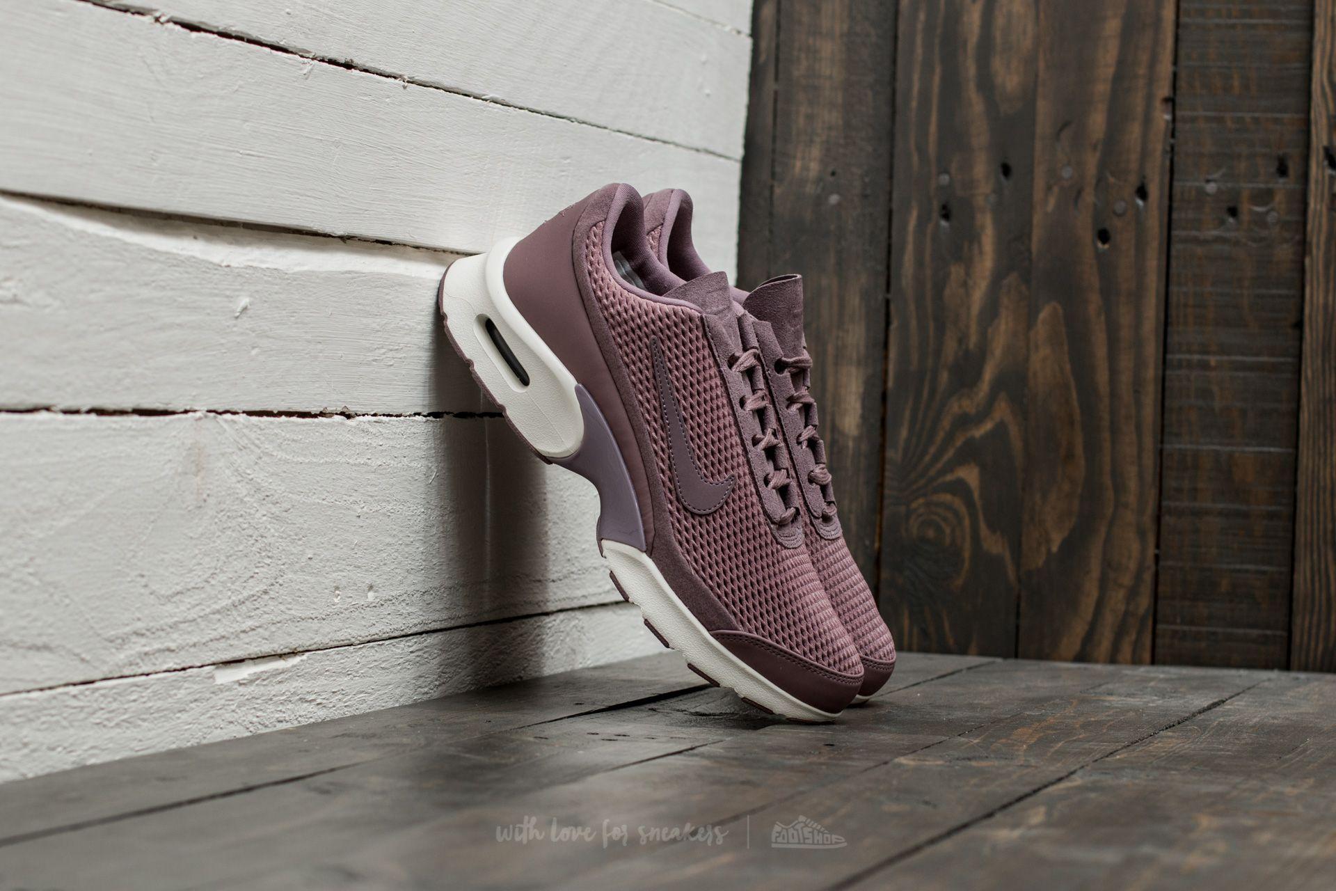 on sale 44d94 43eab Nike W Air Max Jewell Premium