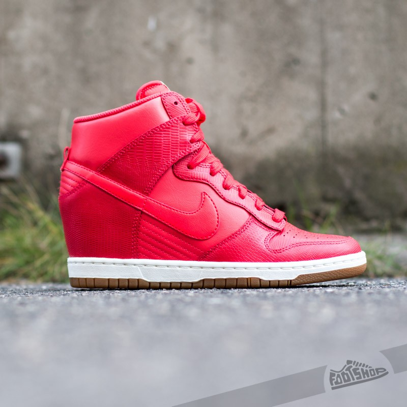 buy online ece4f 413e8 Nike Wmns Dunk Sky Hi Action RedAction Red