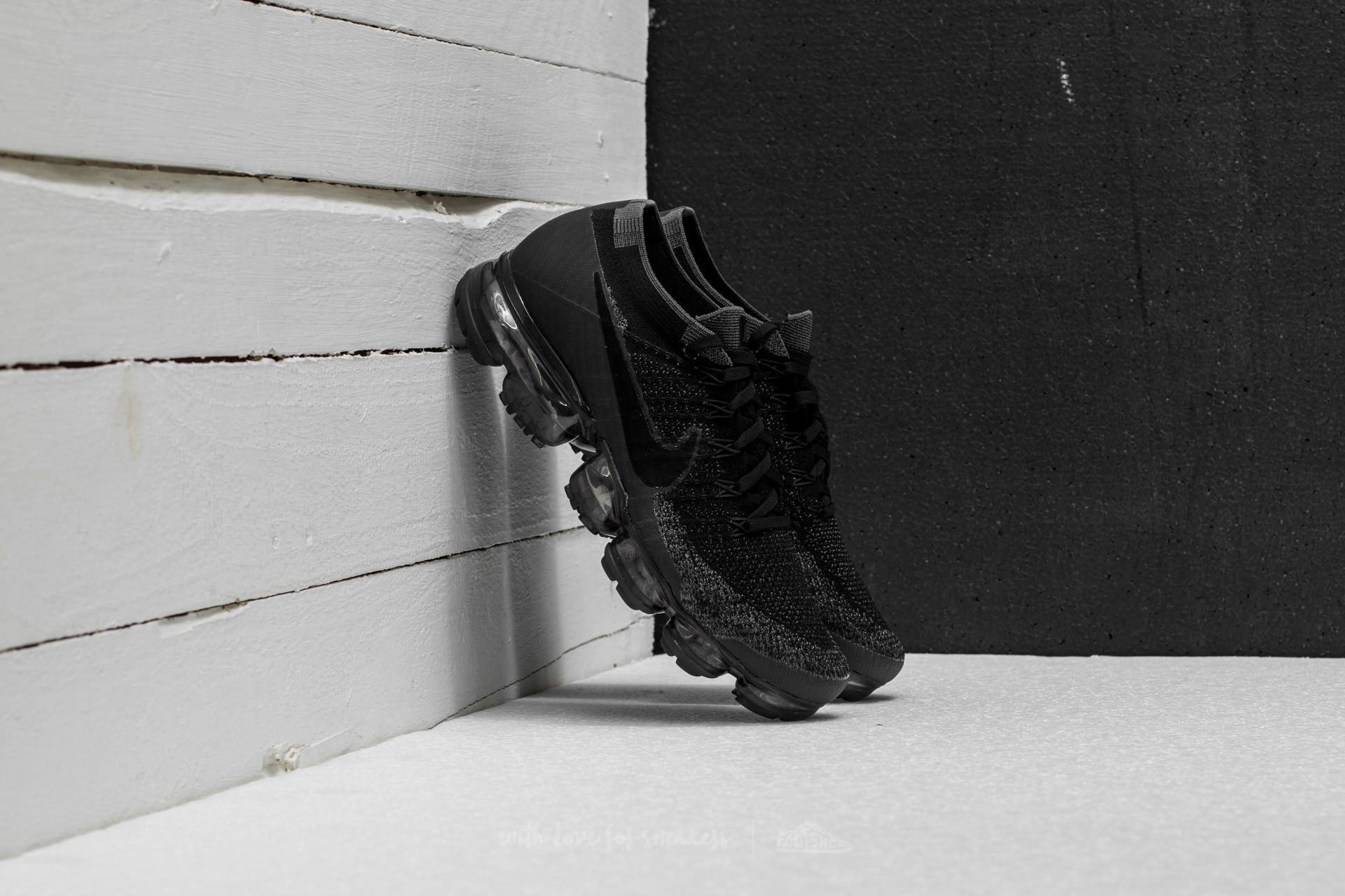 37ac8ae9043 Nike Air Vapormax Flyknit Black  Anthracite-Dark Grey