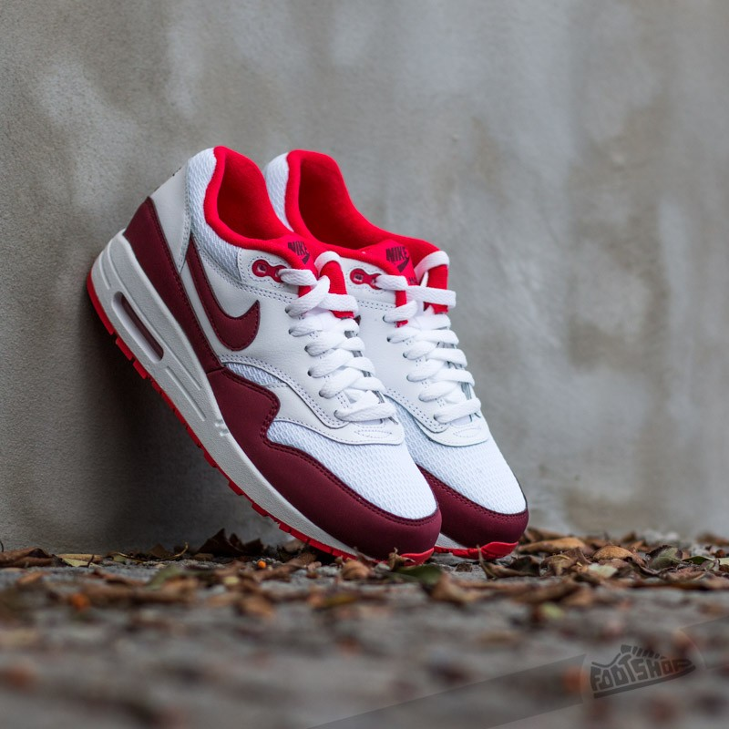 brand new e31c8 cdd69 Nike WMNS Air Max 1 Essential WhiteTeam Red-Action Red
