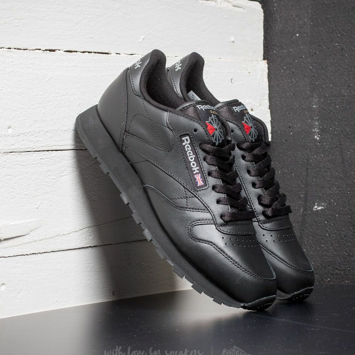 Reebok Classic Leather Black EUR 44.5