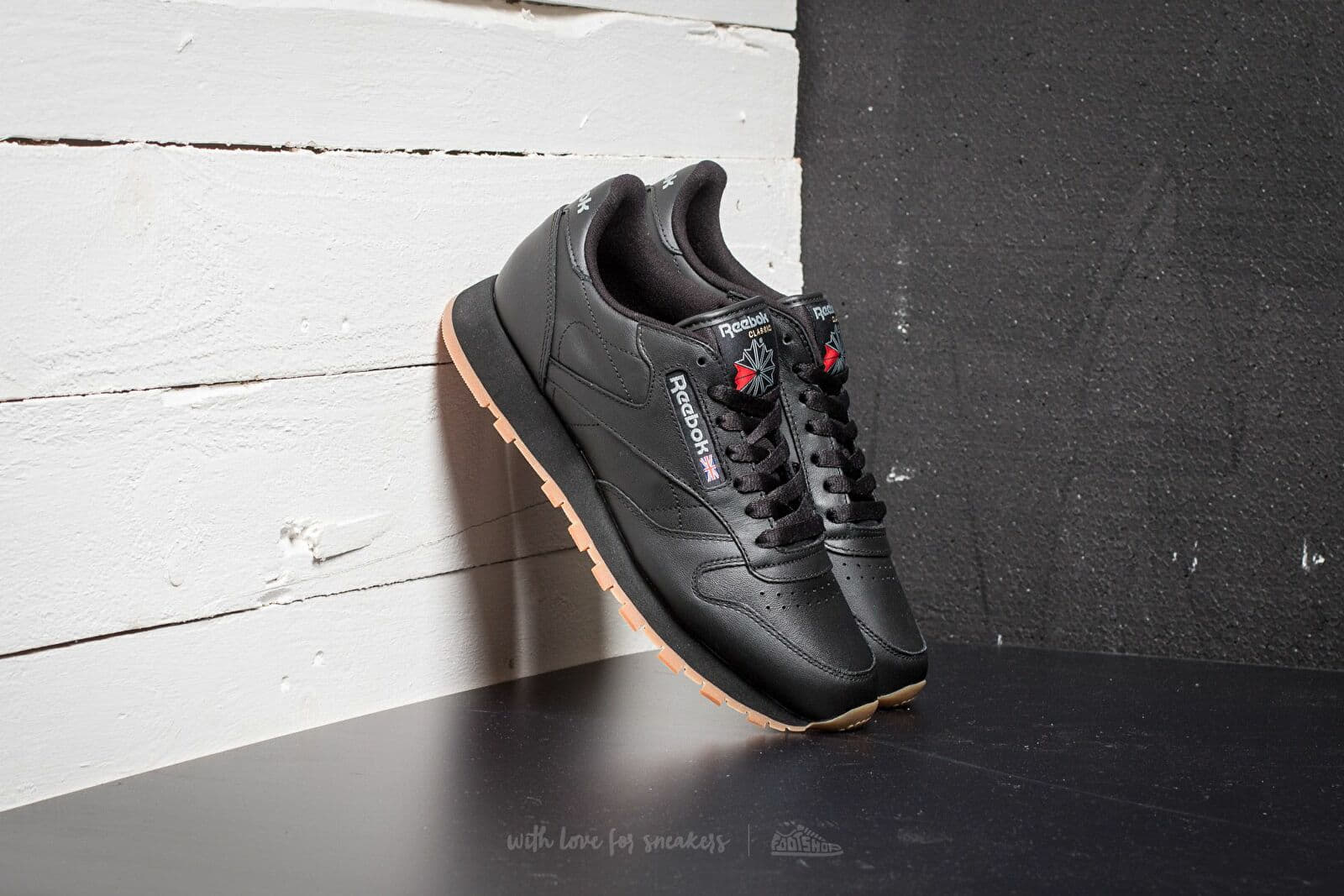 Reebok Classic Leather Black  Gum at a great price 90 € buy at Footshop 0bfd9f50d