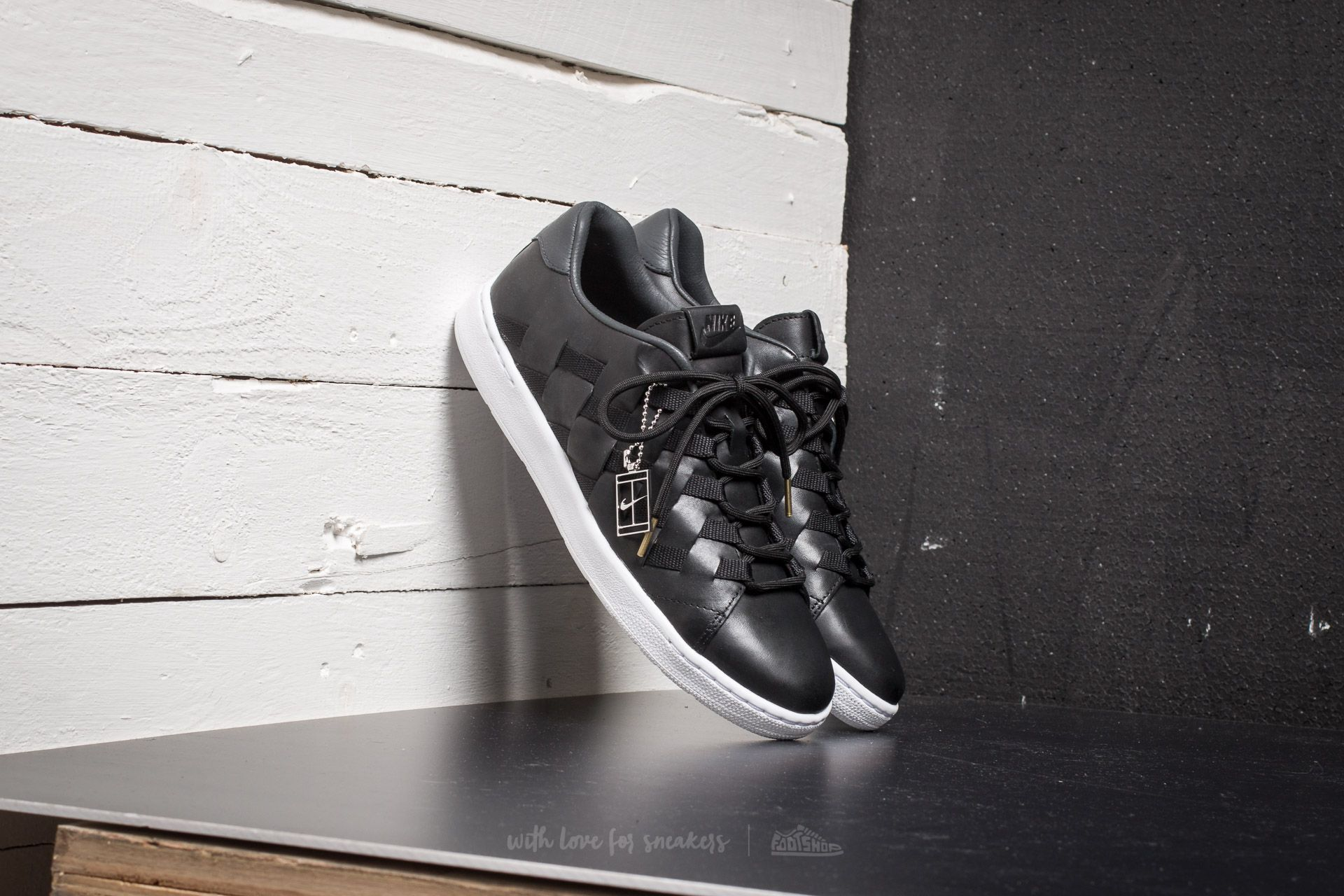 brand new 29951 aca86 Nike Tennis Classic Ultra Premium QS  Woven Pack  Black  Black-Anthracite-