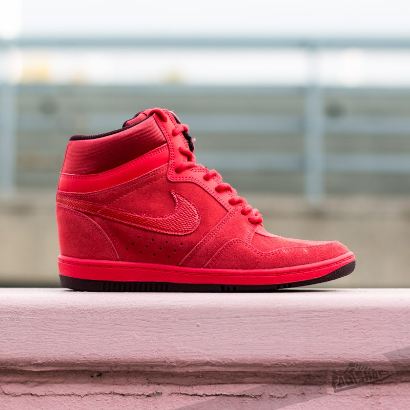 the best attitude 2b376 3c447 Nike WMNS Force Sky High PRM Action Red