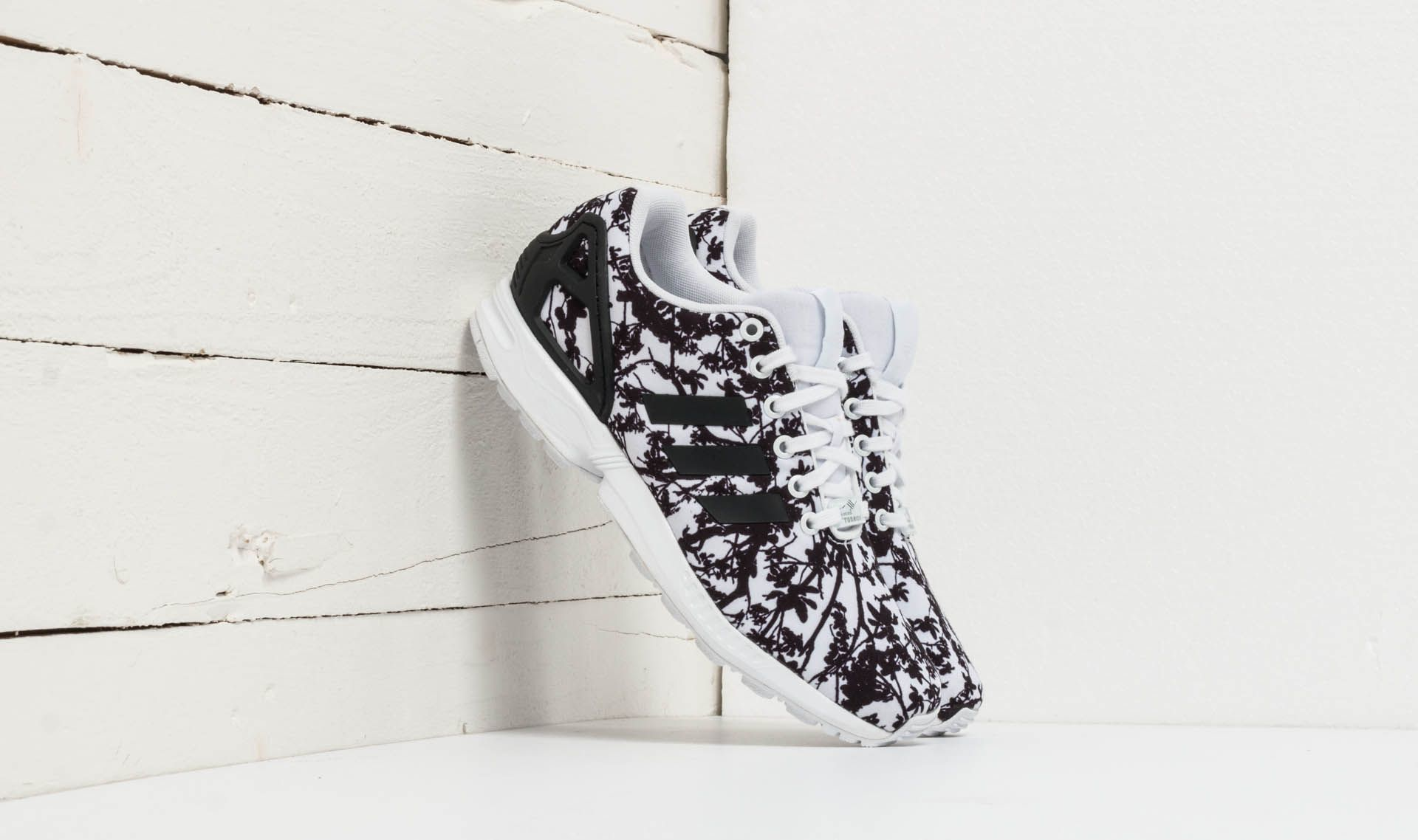 adidas ZX Flux W Ftw White/ Core Black/ Ftw White EUR 38 2/3