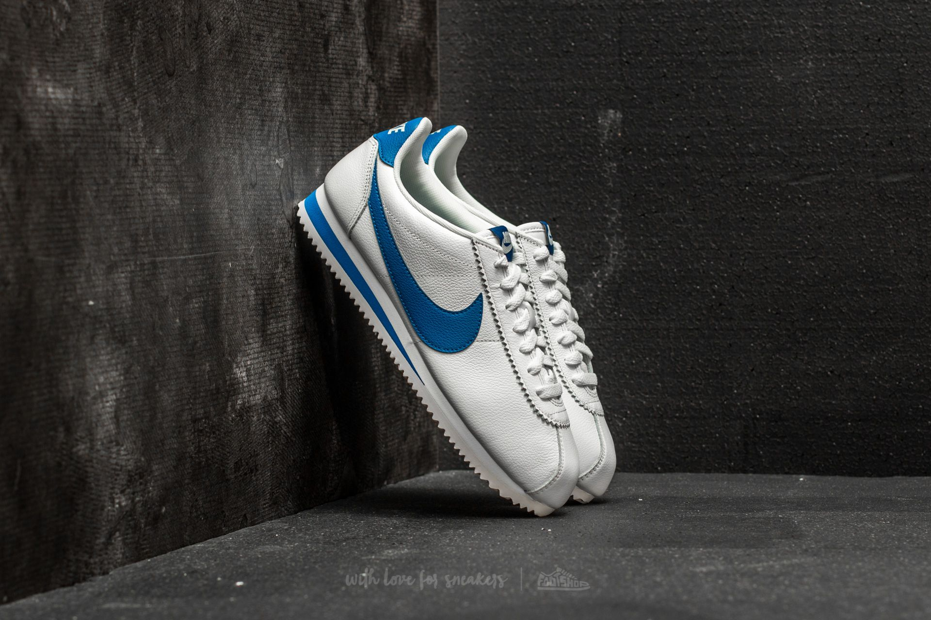 big sale 0a5f6 e55f7 ... discount code for nike classic cortez leather se sail blue jay 5b199  befa5