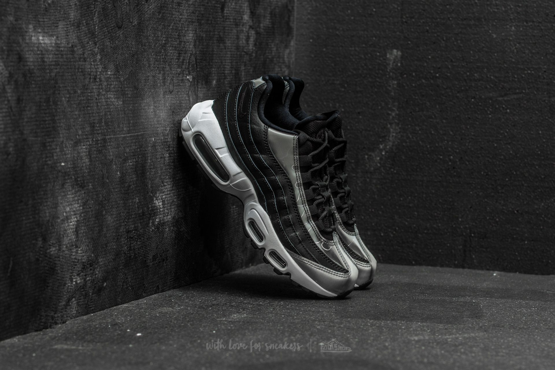 Nike Wmns Air Max 95 SE Black  Anthracite-White  eadb50d812