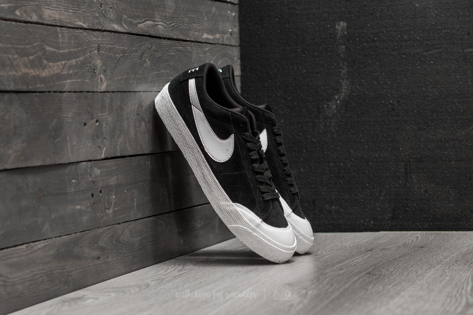 promo code 3a22a dd493 Nike SB Blazer Zoom Low XT Black/ White-Gum Light Brown ...