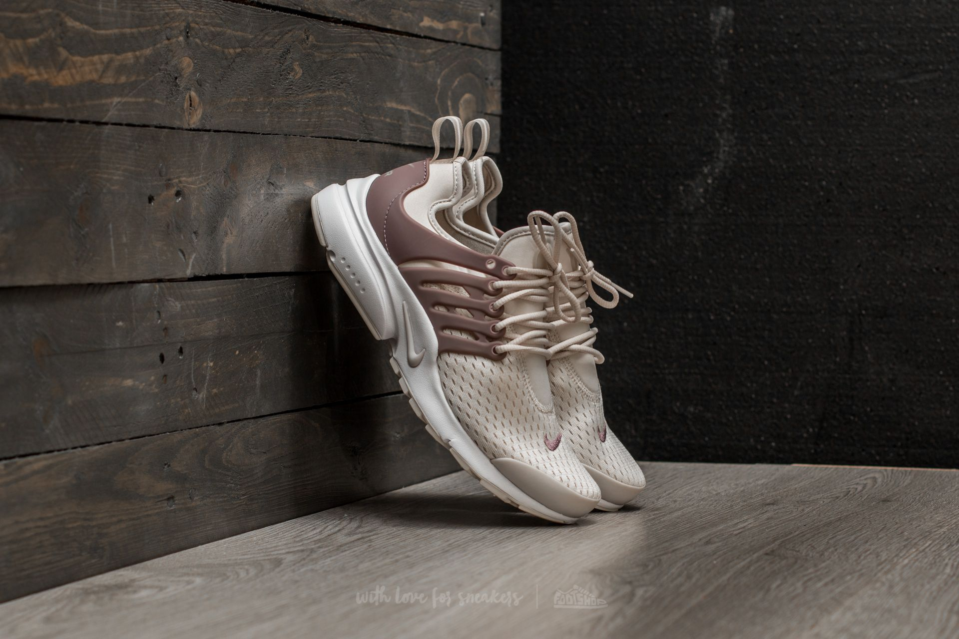 58fc8623bad3 Nike W Air Presto Light Orewood Brown  Taupe Grey