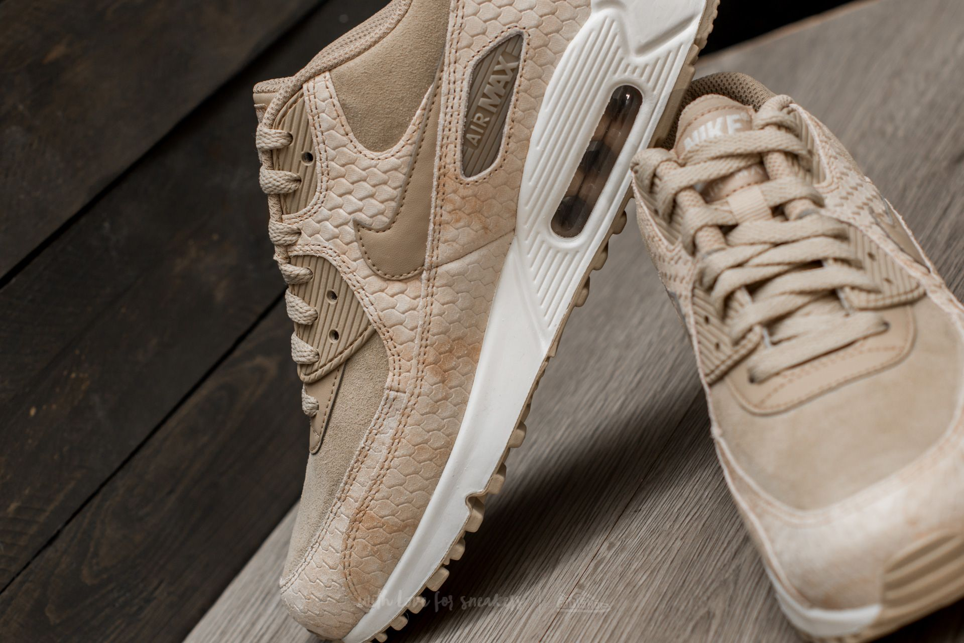 Nike Wmns Air Max 90 Premium Linen  Linen-Sail at a great price 81 35158e608