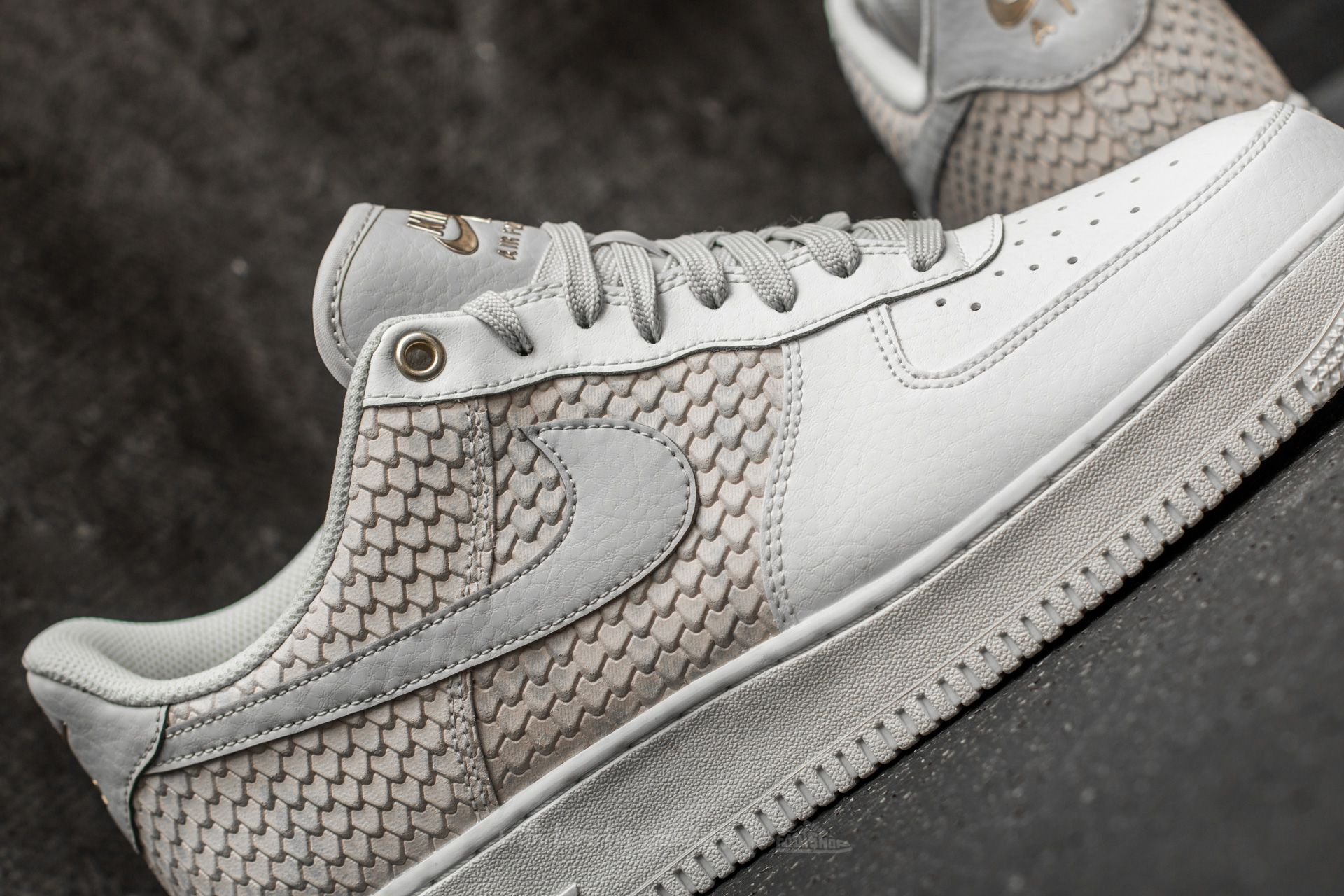 Nike Air Force 1 07 LV8 Sail Gold | 823511 100