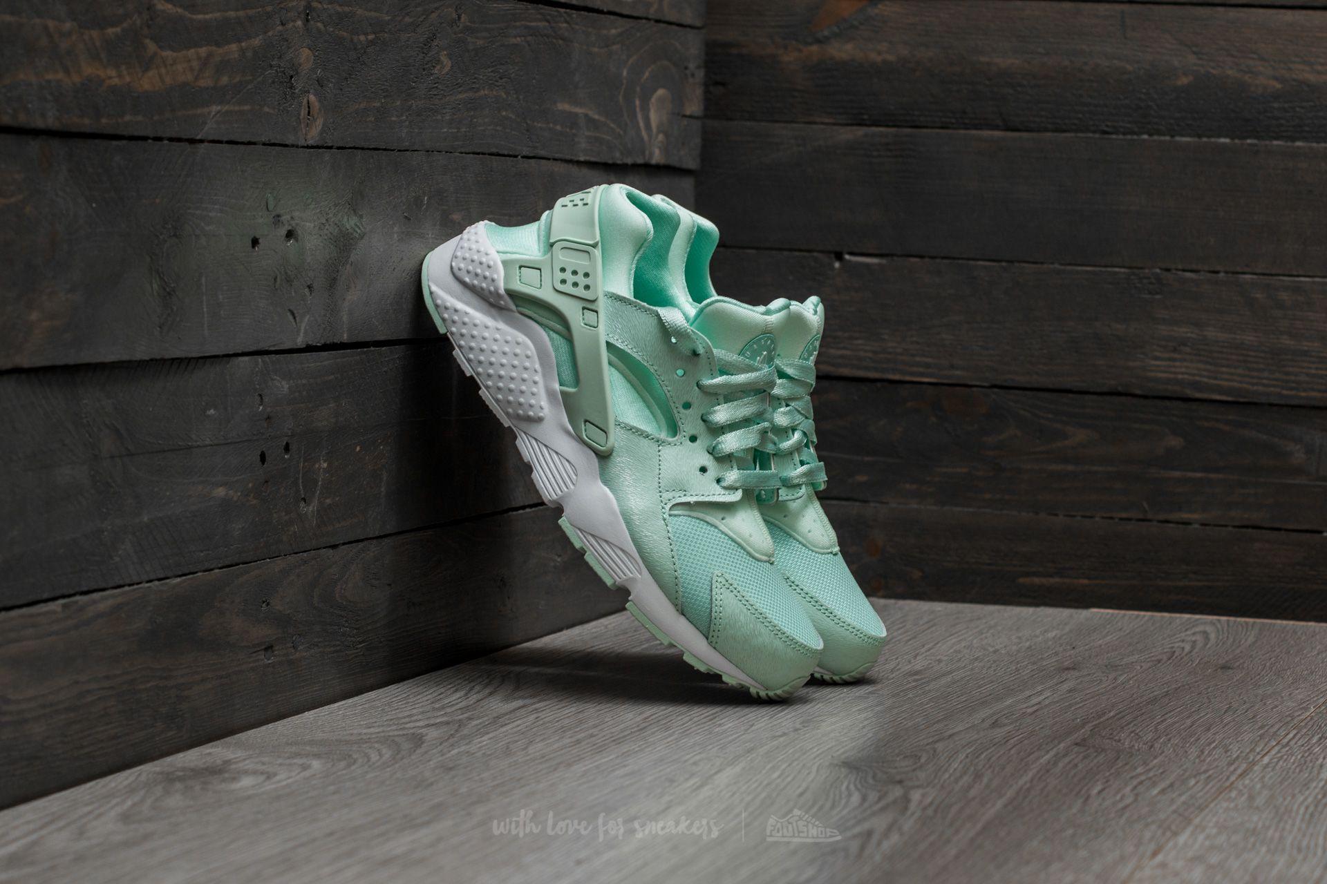 Nike Huarache Run SE (GS) Igloo  Igloo-White  b41c93187
