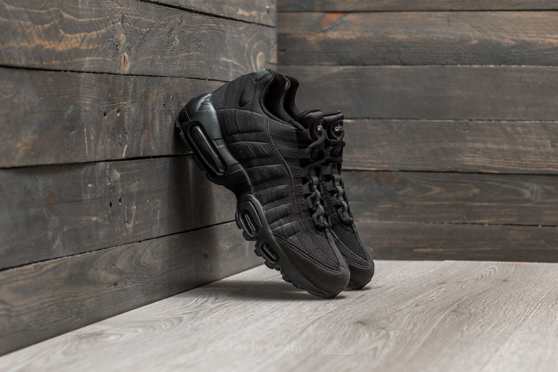 Nike Wmns Air Max 95 Black  Black-Wolf Grey  882ef068af89