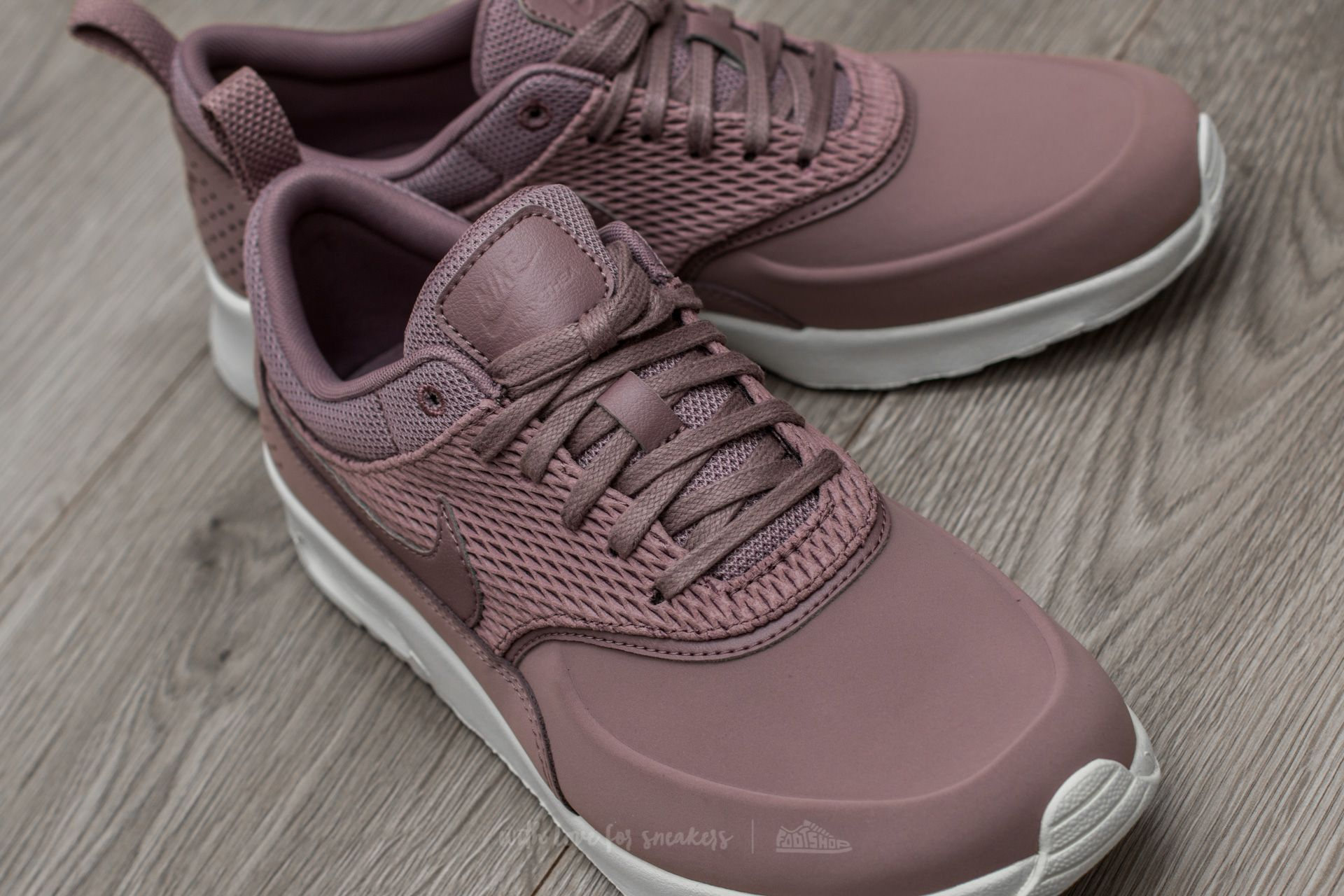 Wmns Air Max Thea Premium Leather Taupe Grey Taupe Grey sail