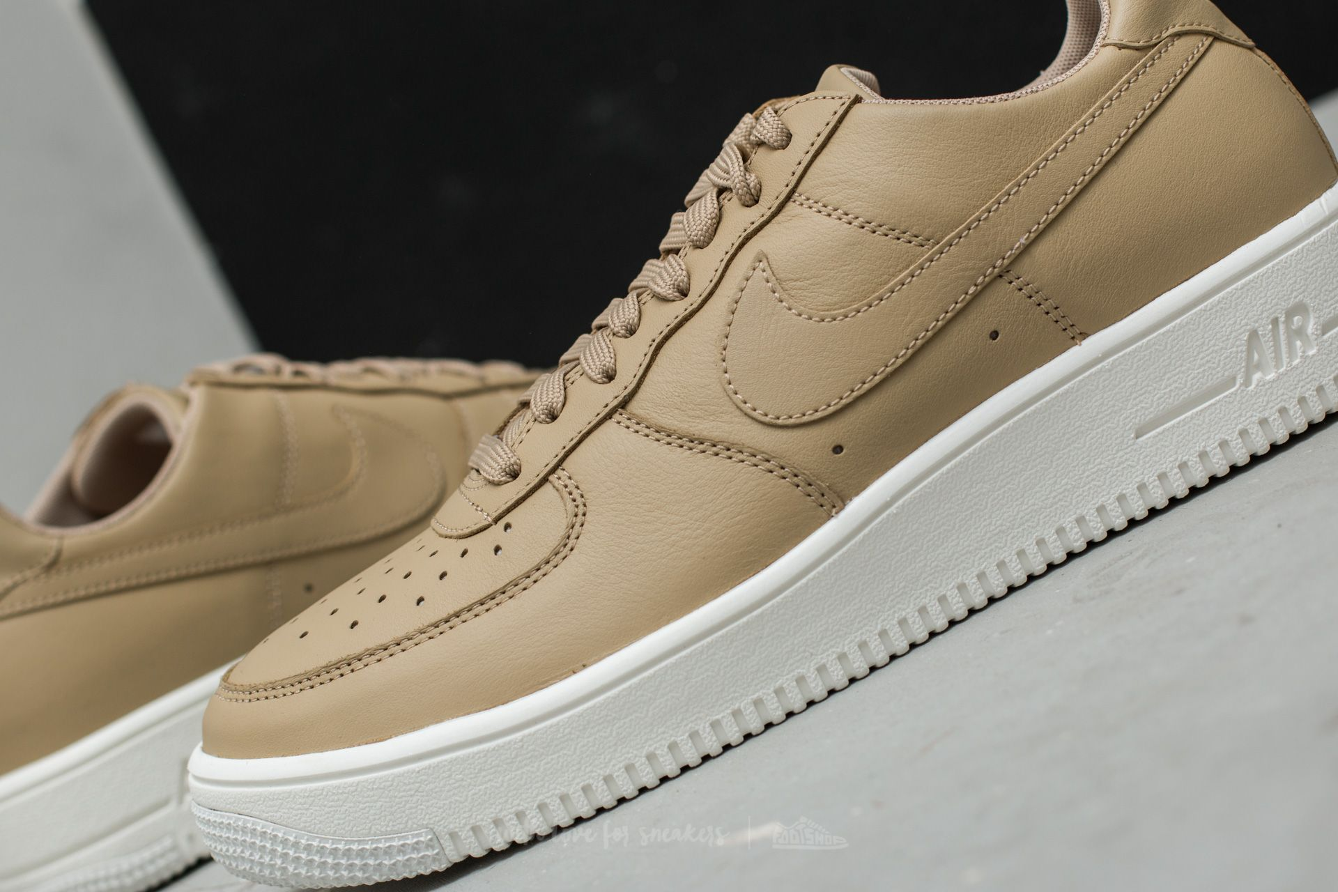 Nike Air Force 1 Ultraforce Leather MushroomSchwarzSummit