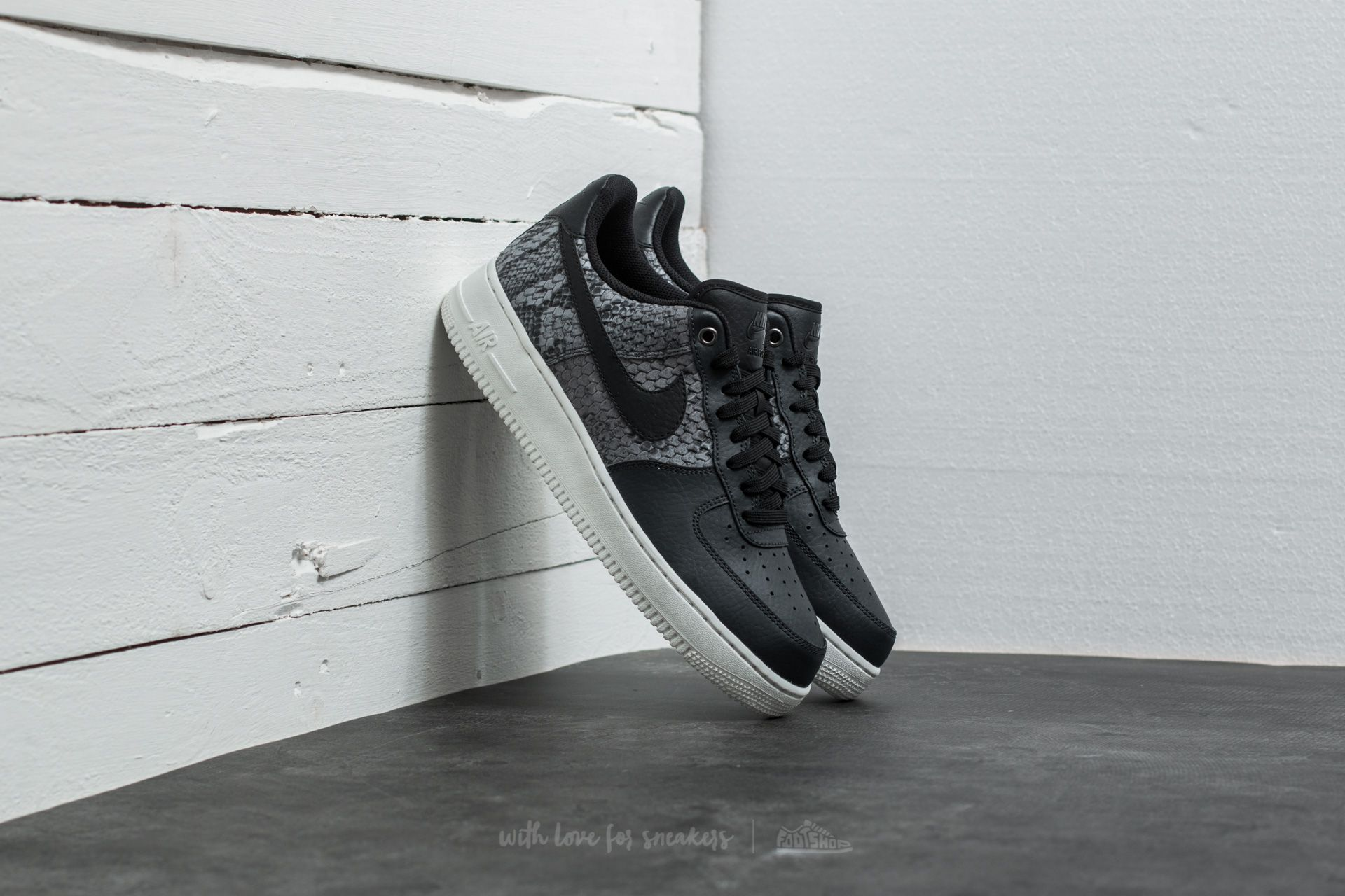 9381c100 Nike Air Force 1 '07 LV8 Anthracite/ Black-Summit White | Footshop