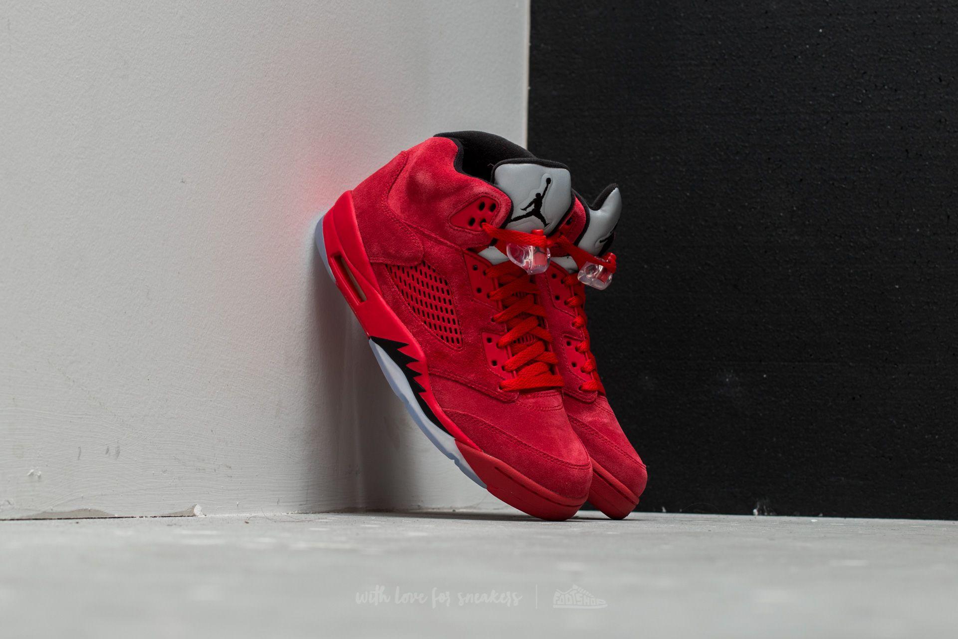 fba3918e2ebc5e Air Jordan 5 Retro University Red  Black