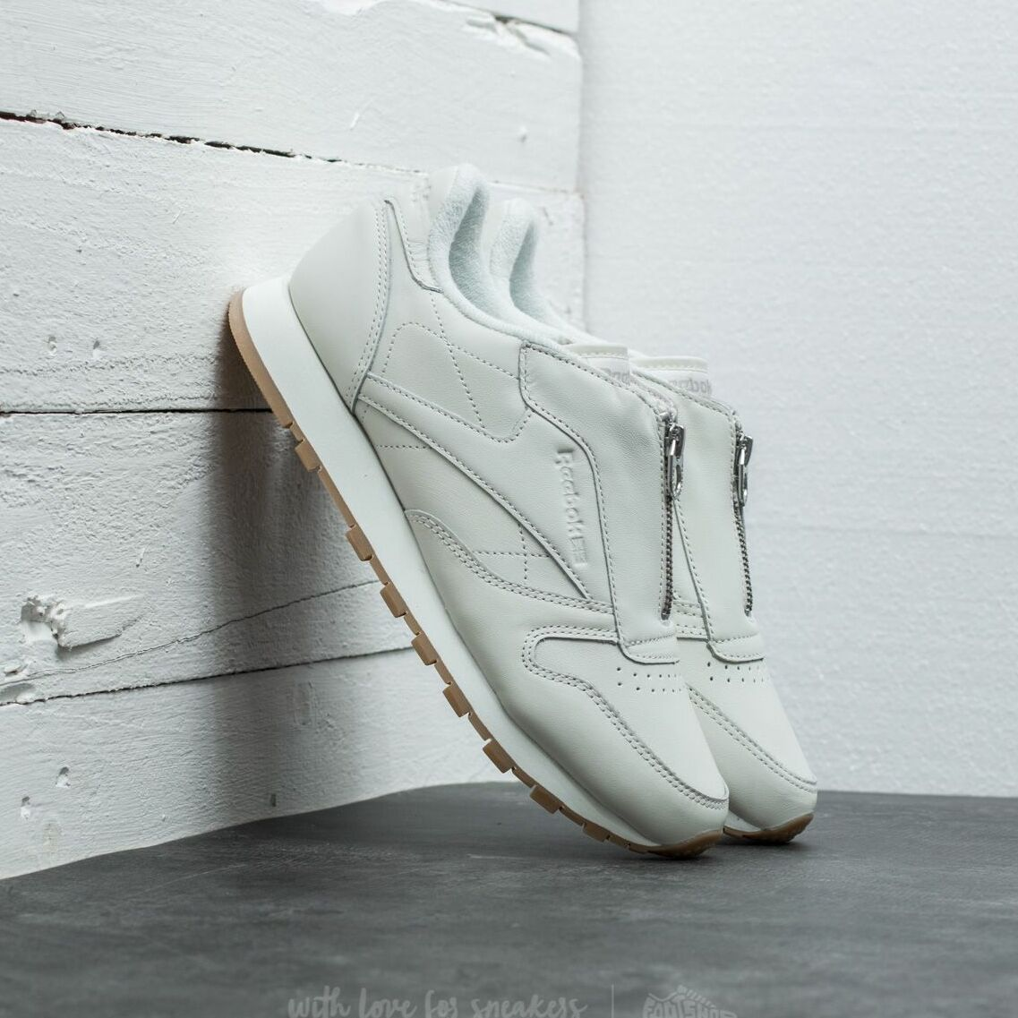 Reebok Classic Leather Zip Chalk/ Sandstone/ Silver EUR 39