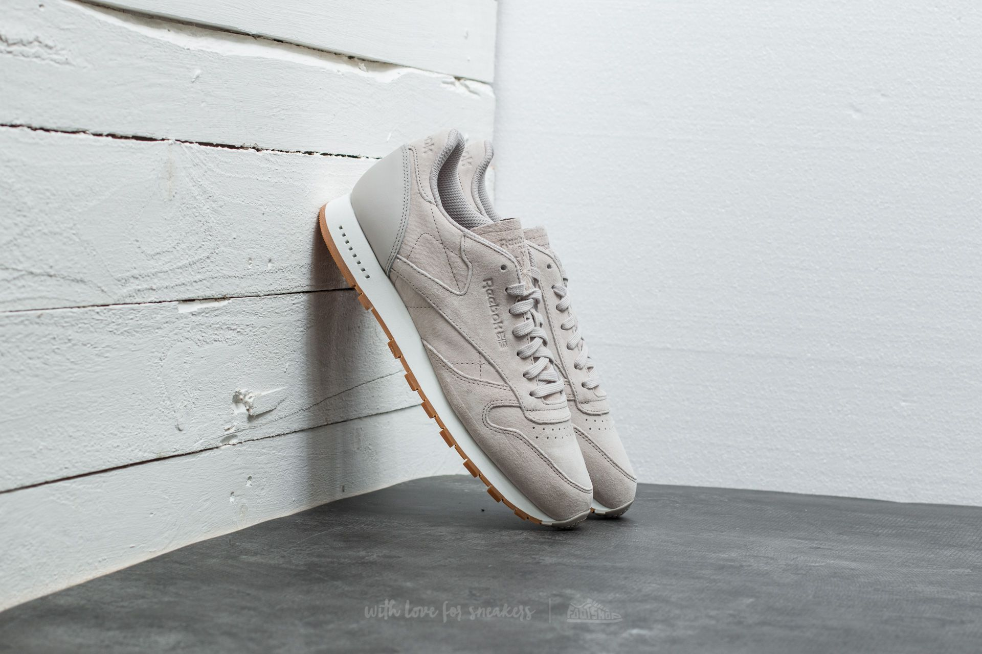 b37d87c21816ca Reebok Classic Leather Seasonal Gum Sand Stone  Chalk-Gum ...