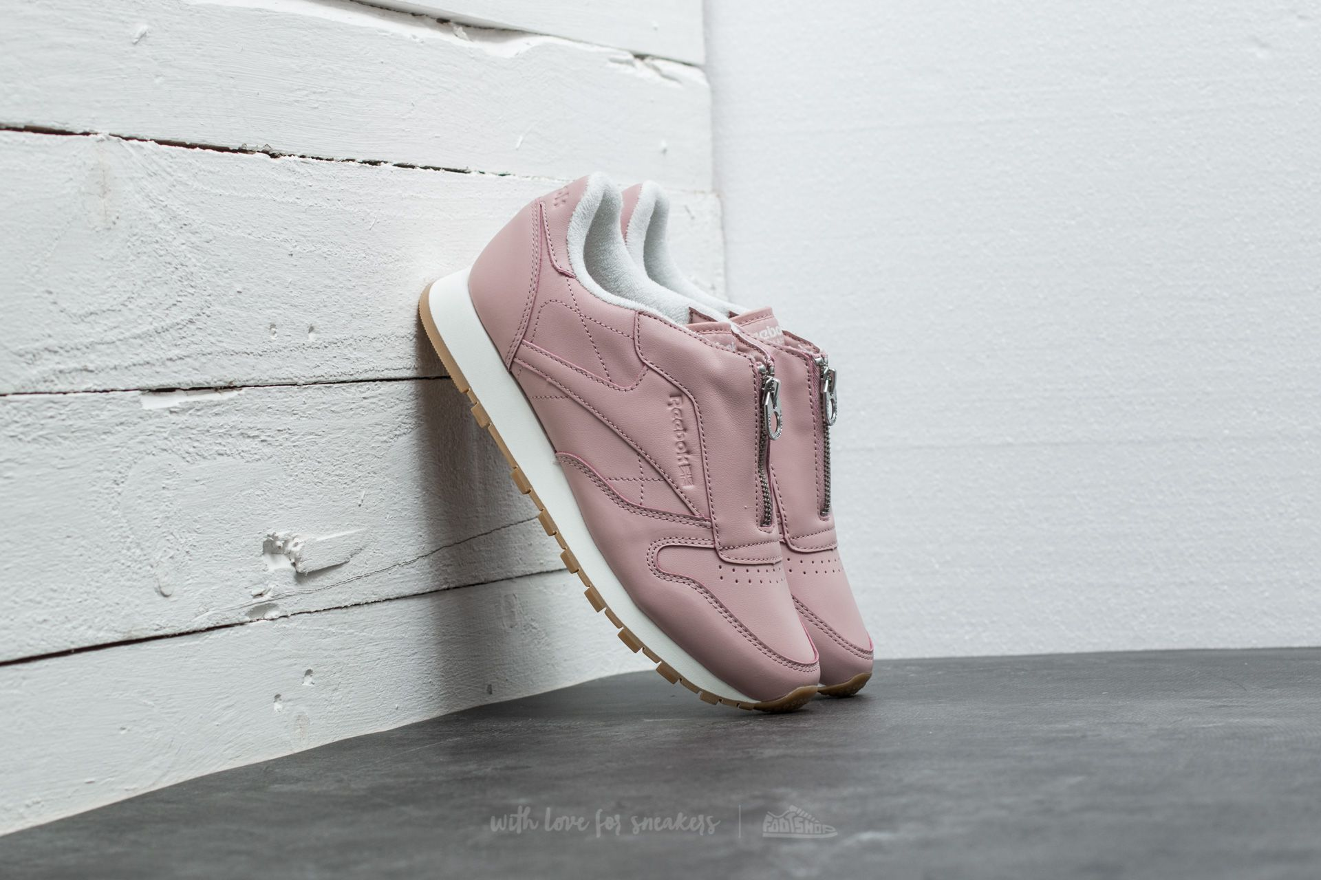 113a7424ca6 Reebok Classic Leather Zip Shell Pink  Chalk  Silver