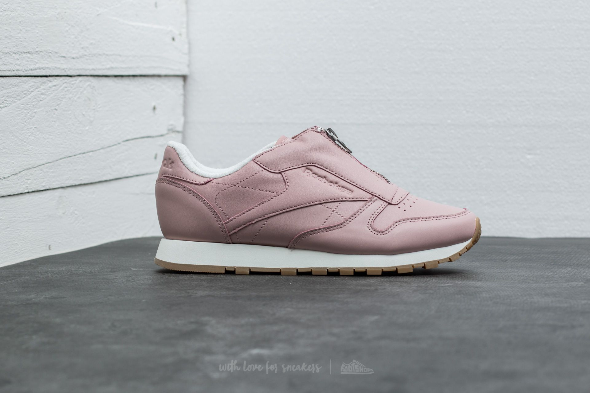 d60fcd8f080b Reebok Classic Leather Zip Shell Pink  Chalk  Silver at a great price 44 €