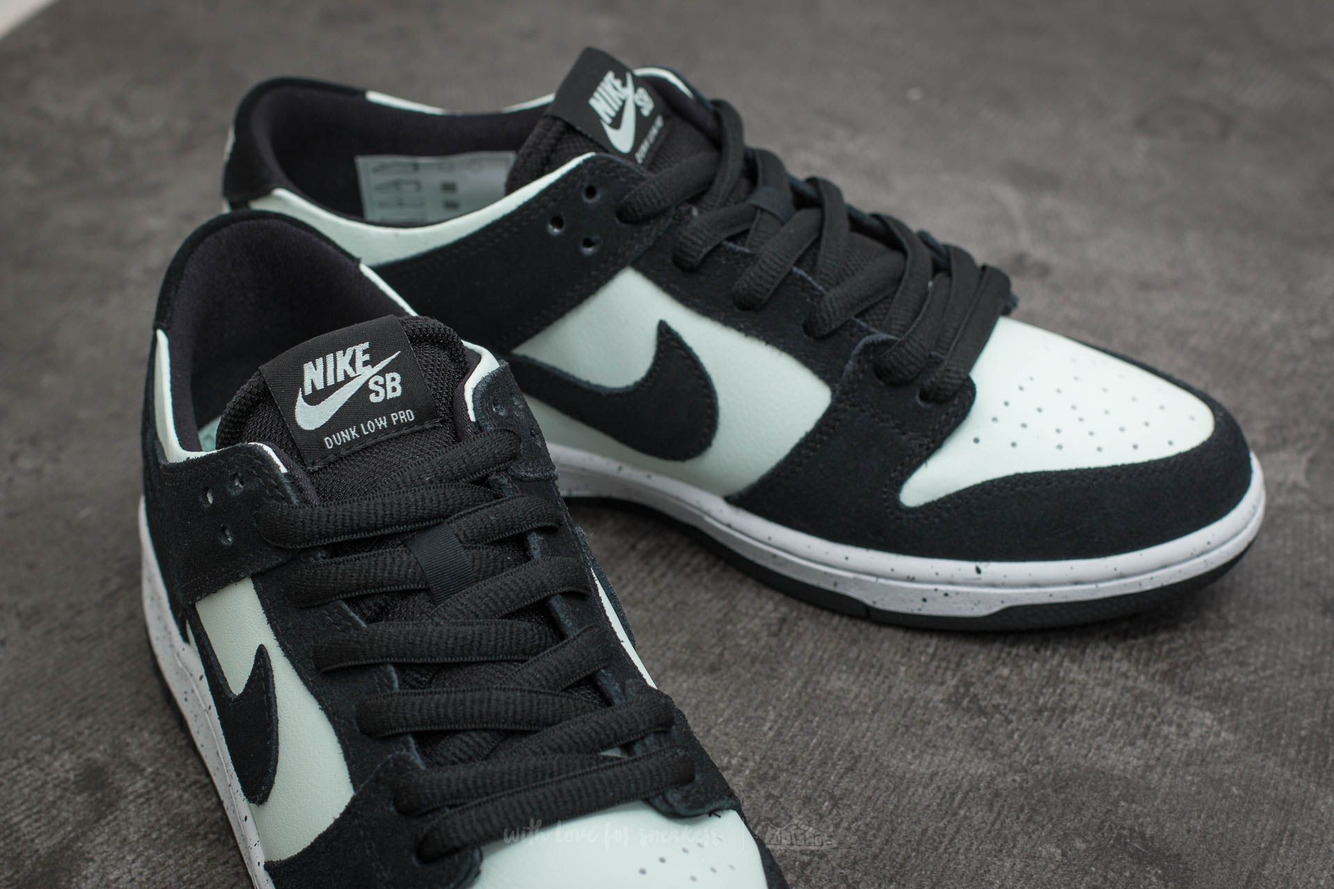 promo code 60351 03594 Nike SB Zoom Dunk Low Pro Black/ Black-Barely Green-White ...