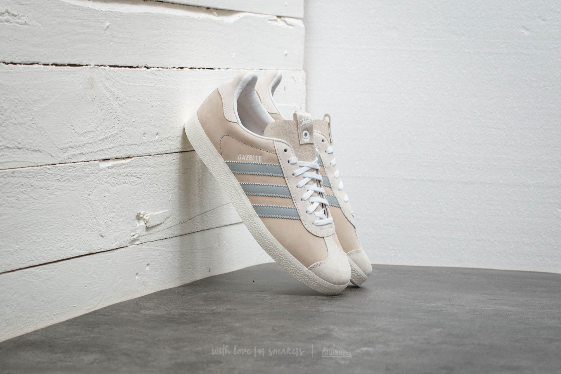 the latest 03e65 0bcf6 adidas Consortium x Alife x Starcow Gazelle S.E.