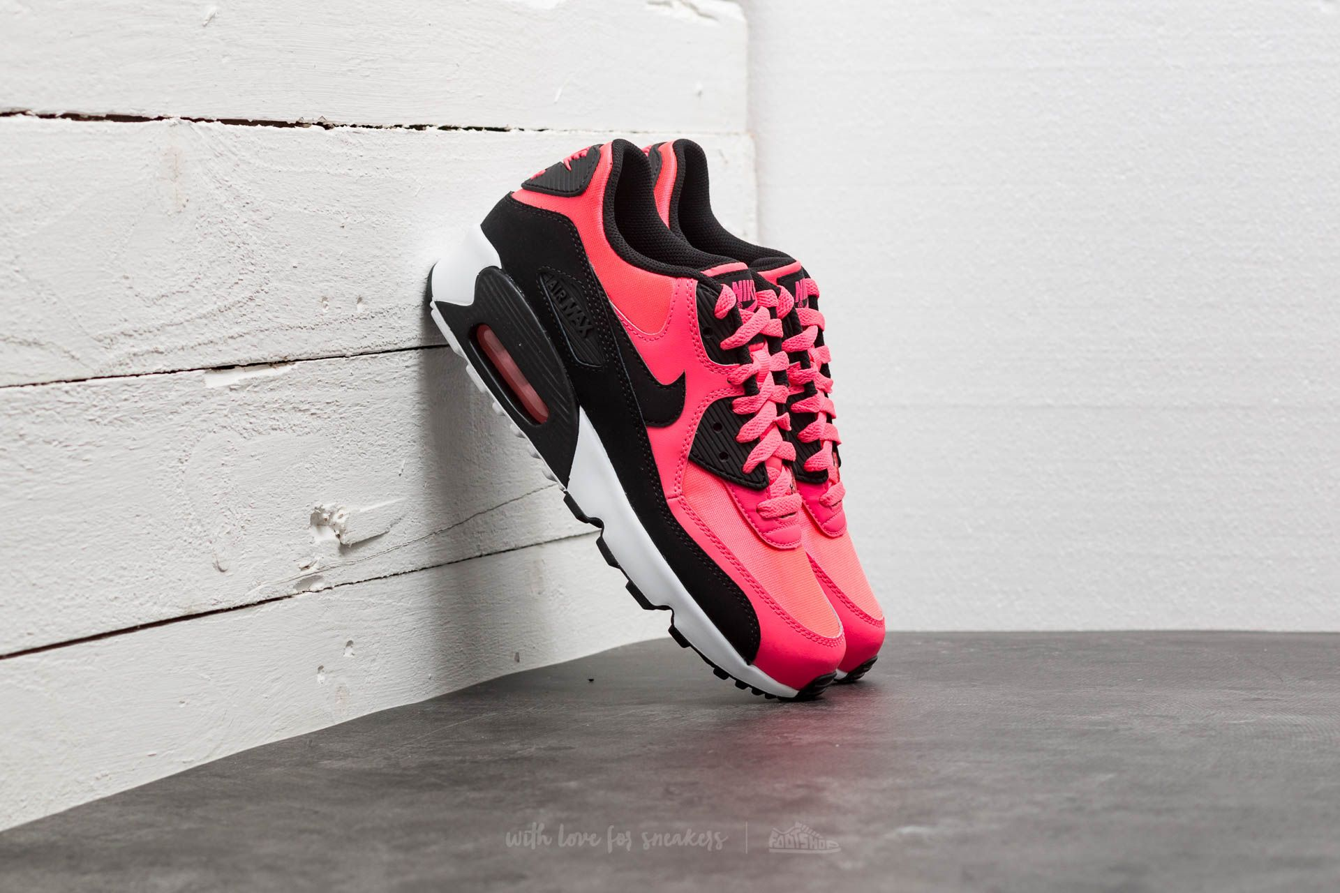 cheaper b2720 9aa47 Nike Air Max 90 Mesh (GS). Racer Pink  Black-White