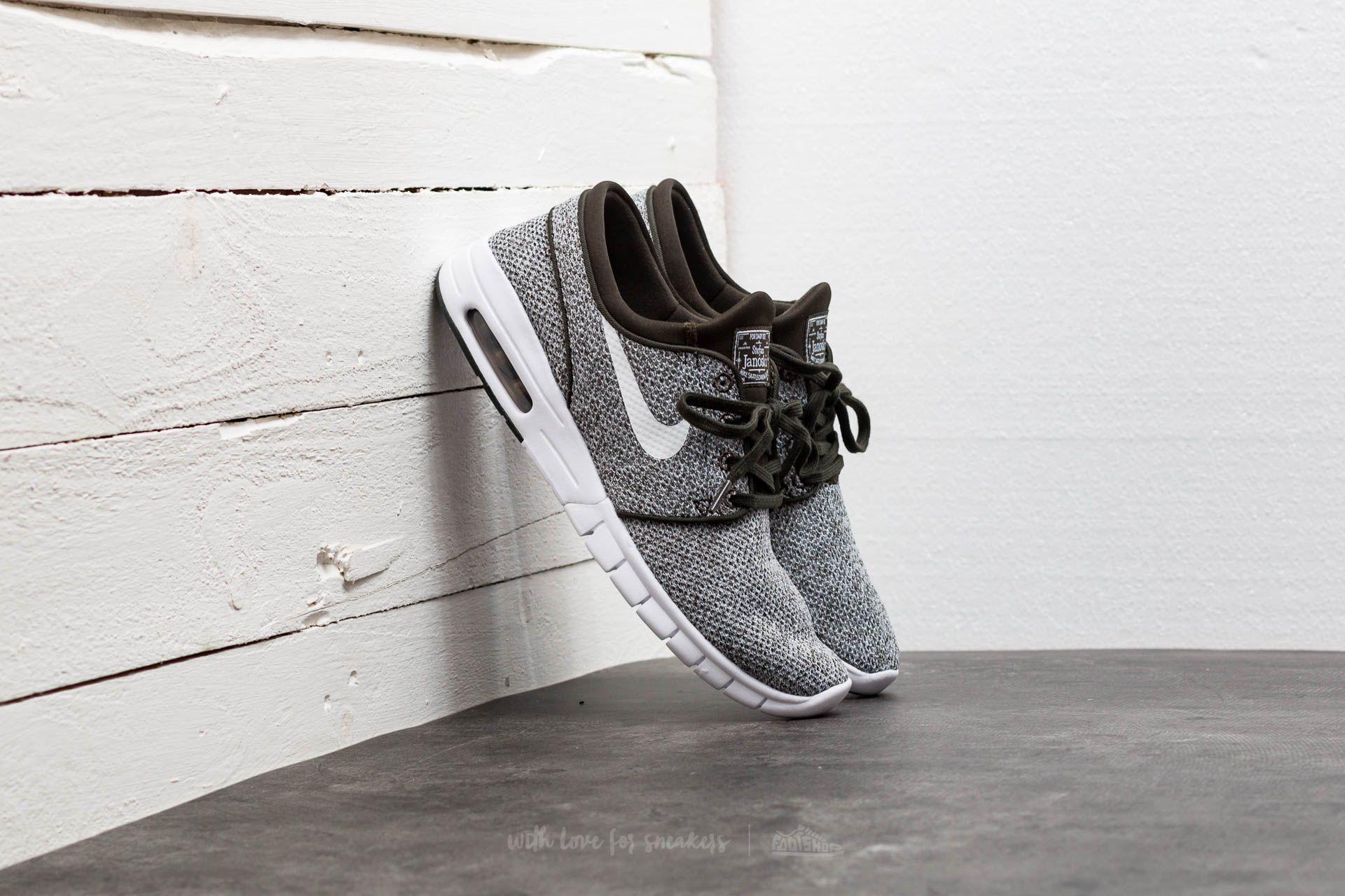 new product 56c36 1701f Nike Stefan Janoski Max. Sequoia  White-Gold Beige