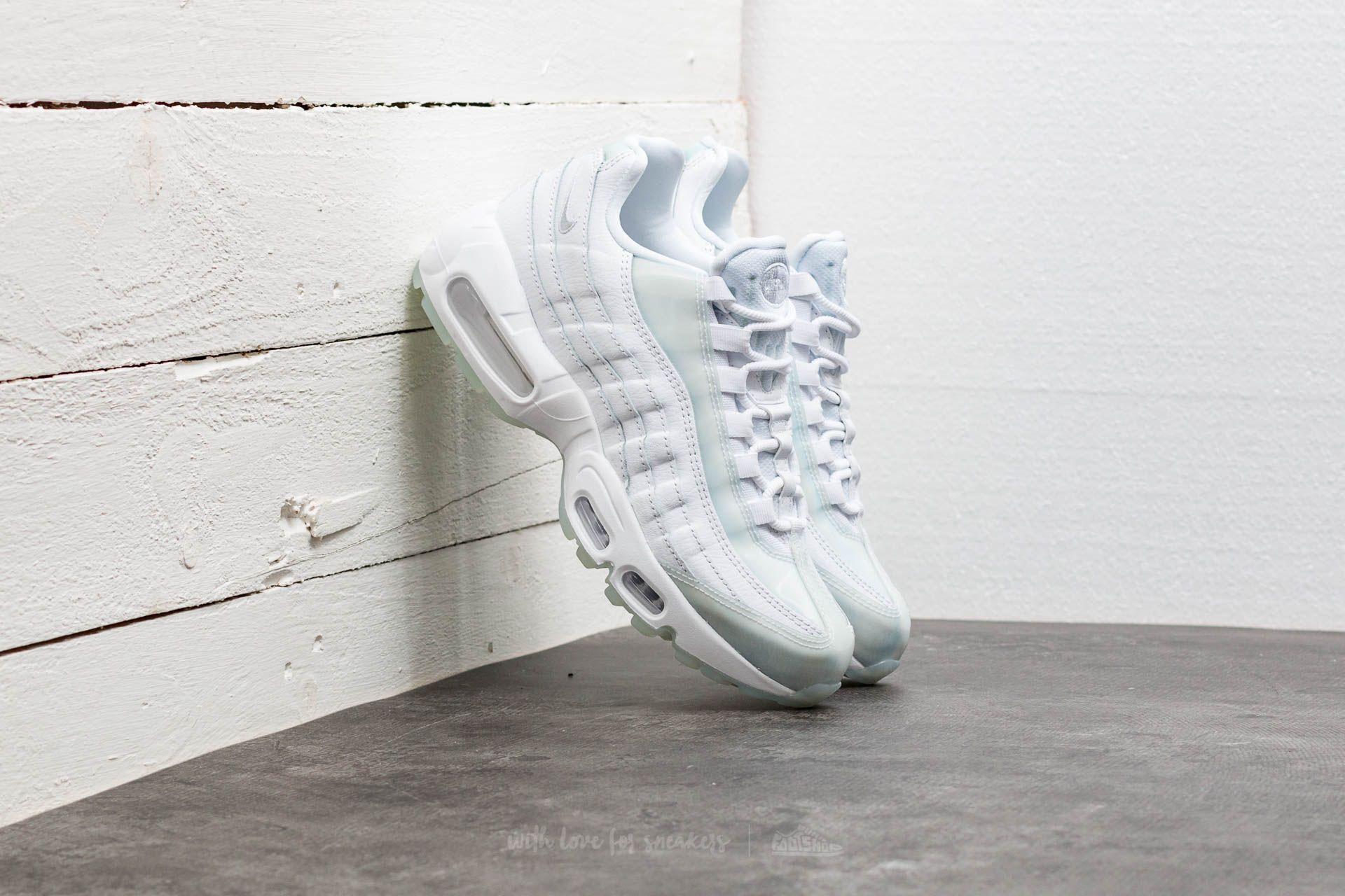 Nike Wmns Air Max 95 SE White  Pure Platinum-Ice  2c280f6d2bd0