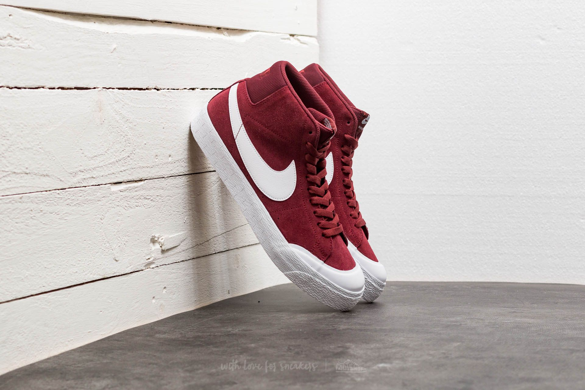 222980d3072c Nike SB Blazer Zoom Mid XT Dark Team Red  White