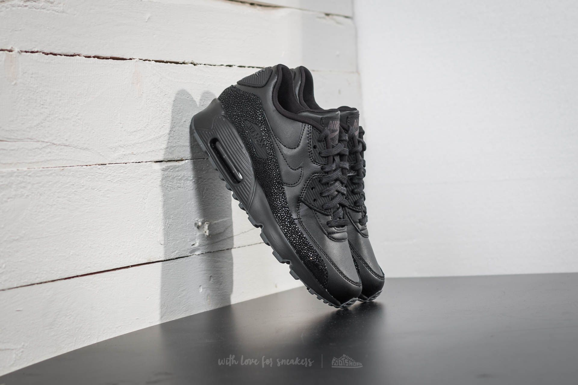 size 40 3c412 67489 Nike Air Max 90 SE Leather (GS). Black  ...