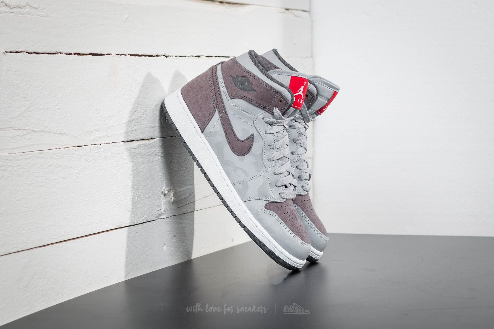 895a3098dbec2 Air Jordan 1 Retro Hi Premium BG Wolf Grey  Dark Grey-White ...