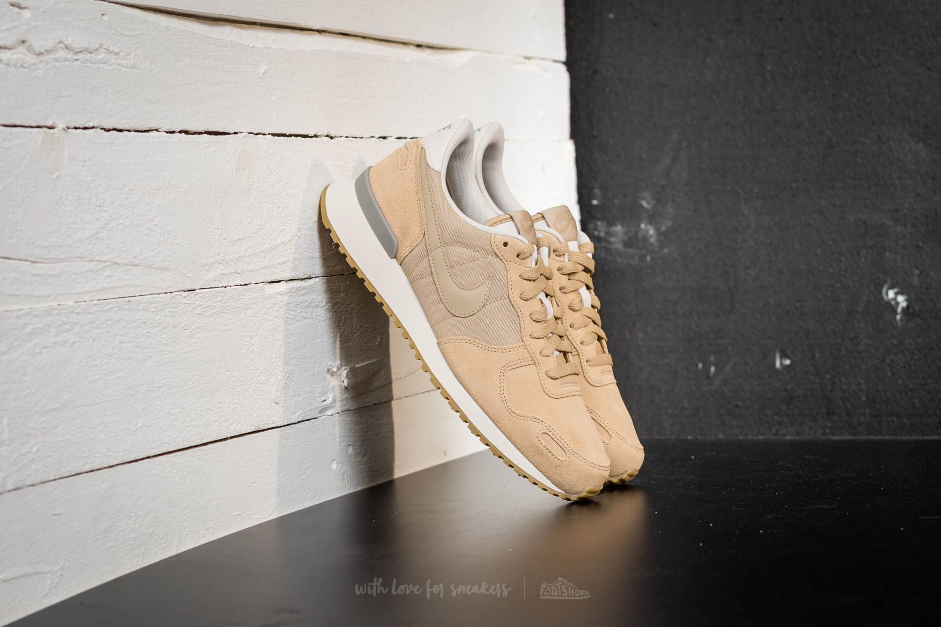 baño Adicto Ten cuidado  Men's shoes Nike Air Max Vortex Leather Mushroom/ Mushroom