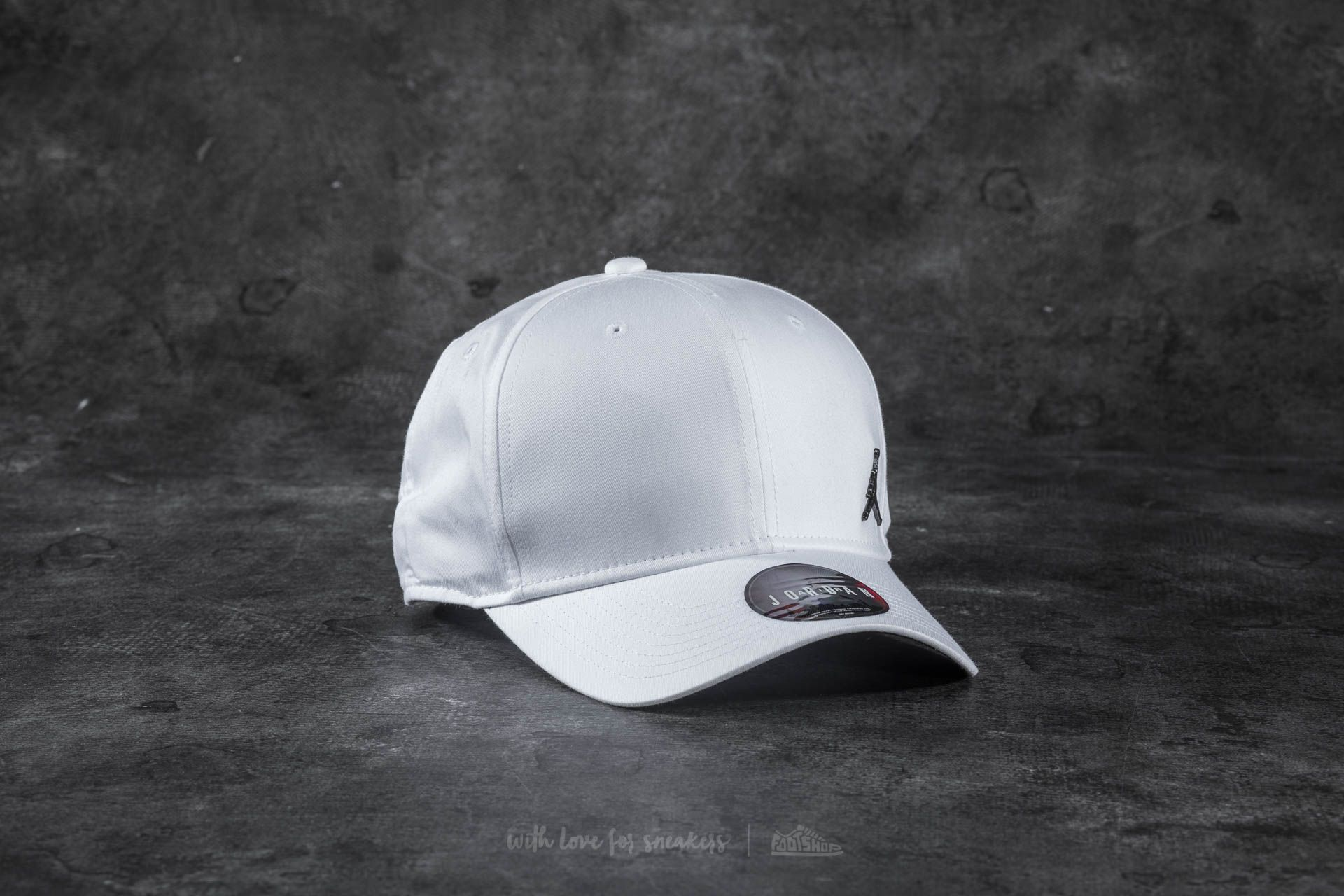 Jordan CLC99 Metal Jumpman Cap White at a great price 29 € buy at Footshop bfbb408ab03