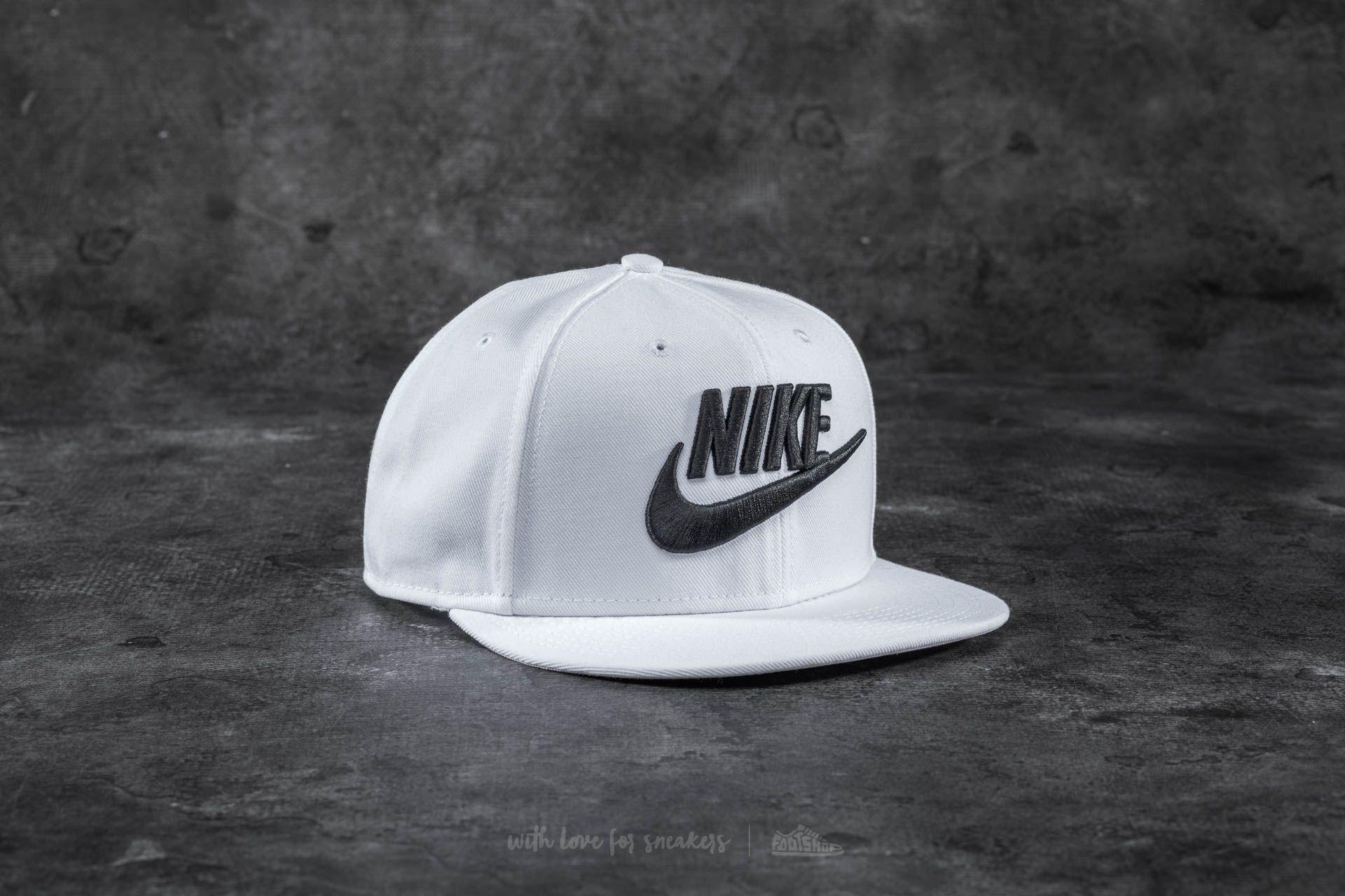 f01bf235c Nike Limitless True Snapback White | Footshop