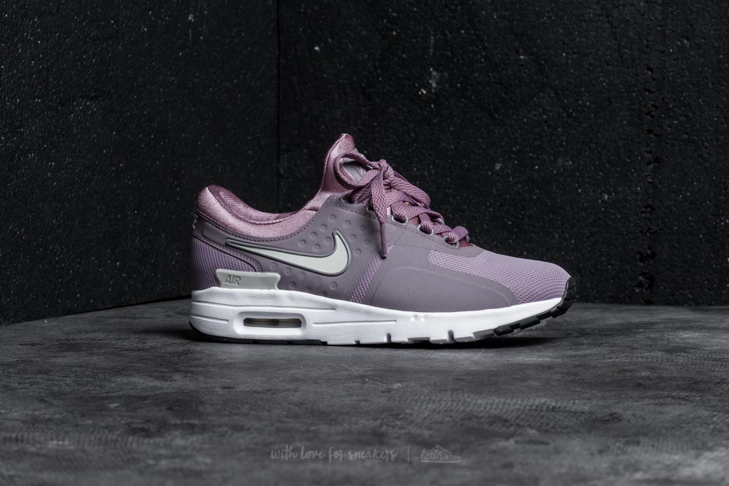 Nike Wmns Air Max Zero Taupe Grey Light Orewood Brown | Footshop