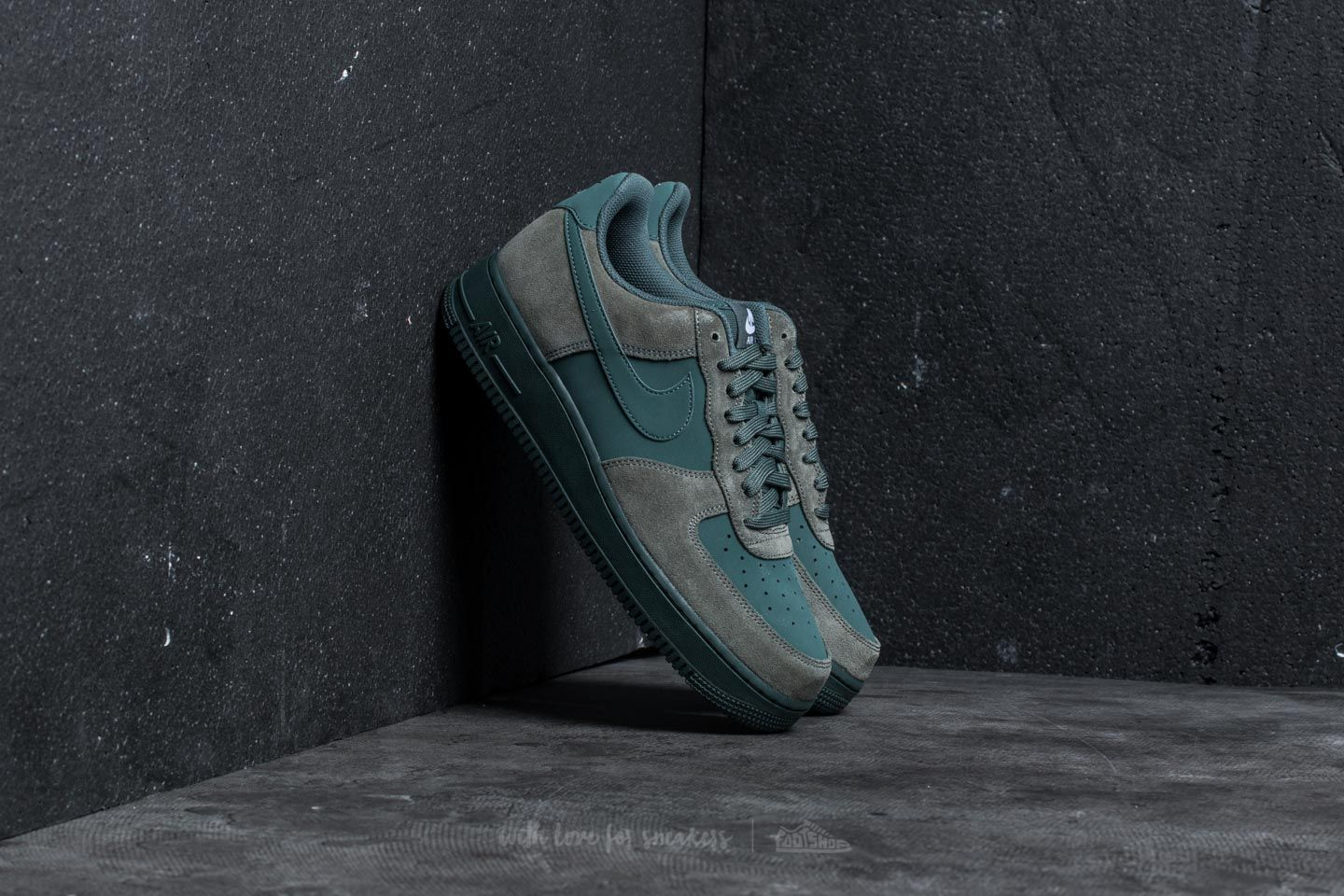 6a5c67690858 Nike Air Force 1 River Rock  Vintage Green-White