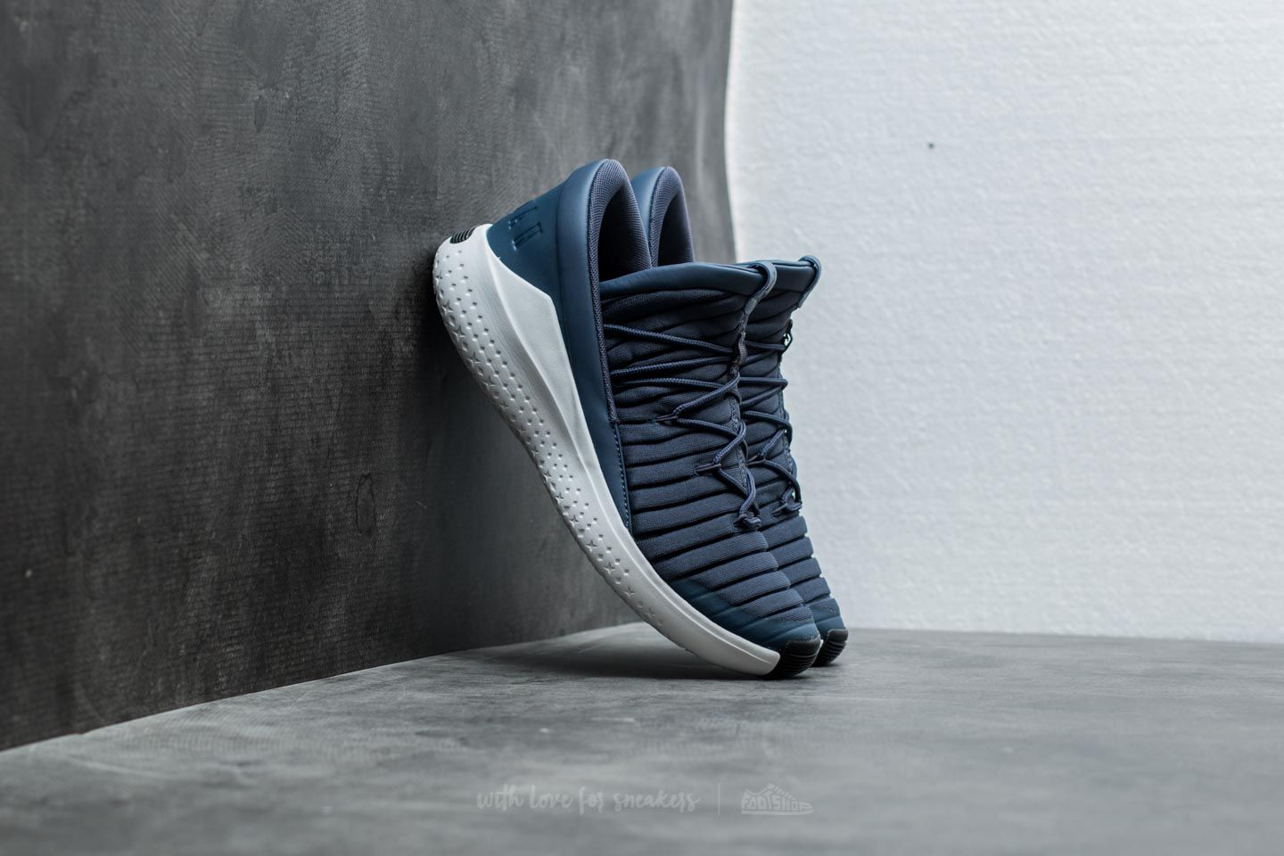f38b1af33e9bd1 Jordan Flight Luxe Thunder Blue  Black