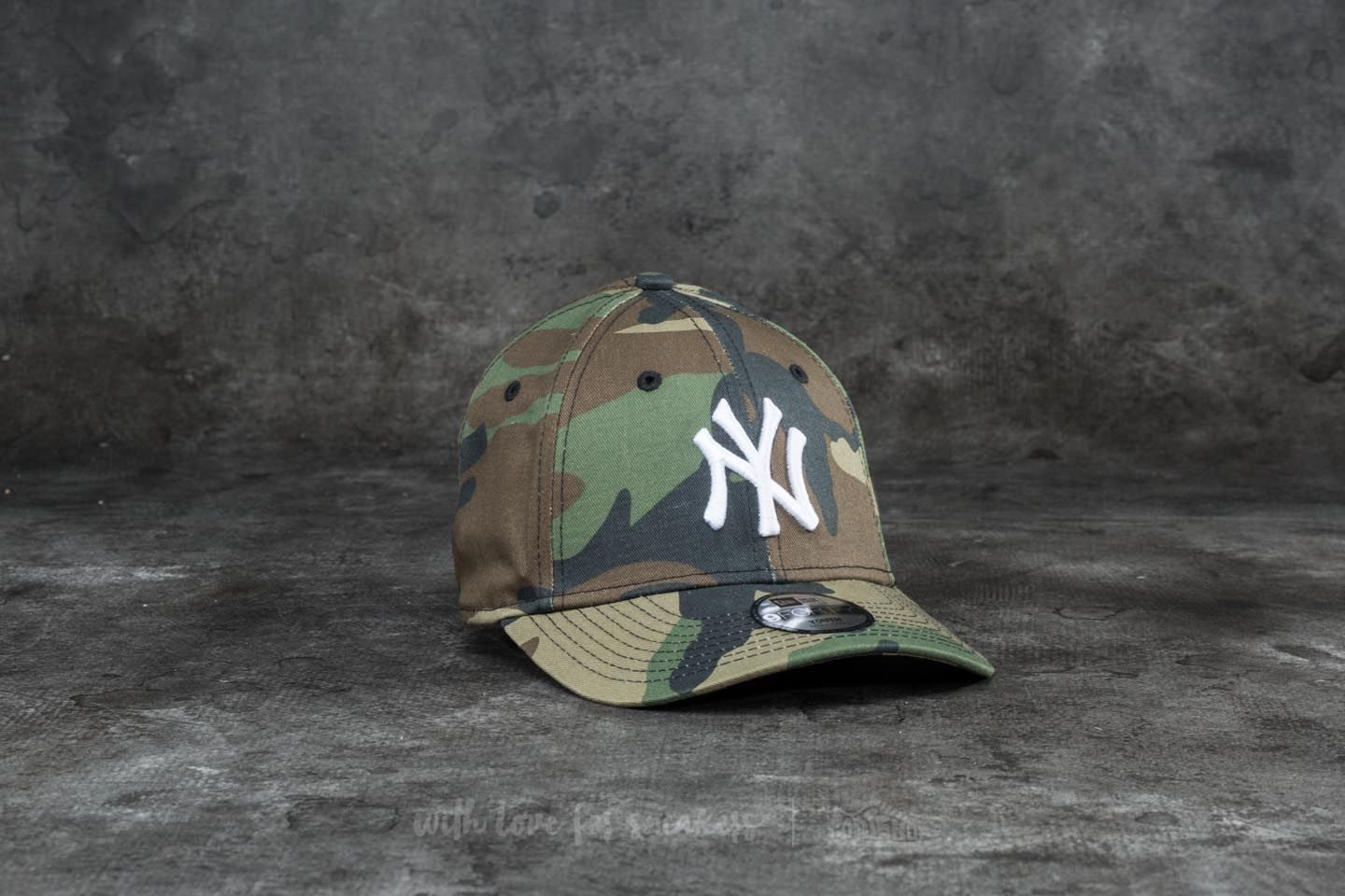 b0b1500c677 New Era 9Forty Junior League Essential New York Yankees Cap Woodland Camo