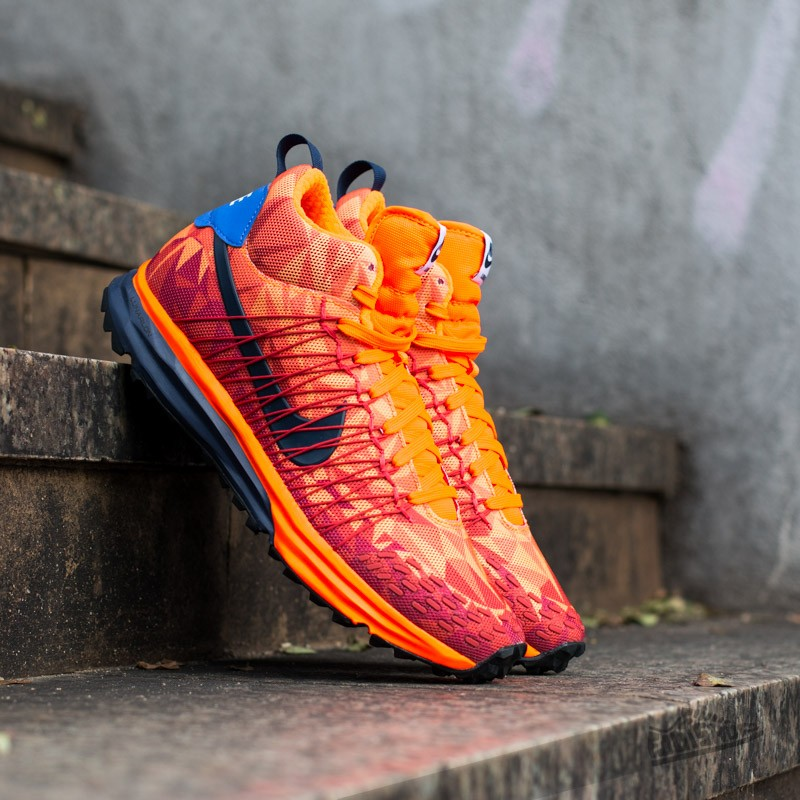 the best attitude df5c3 50597 Nike LunarFresh Sneakerboot Hyper Crimson Midnight Navy