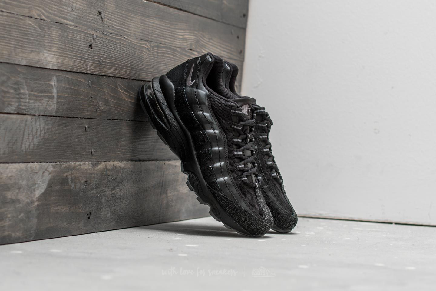 404a7f376442a Nike Air Max 95 SE (GS) Black  Dark Grey