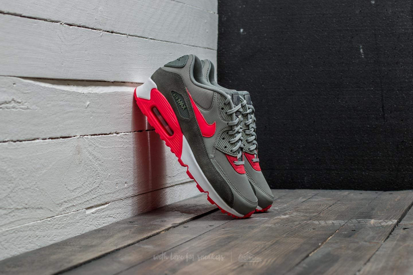 timeless design a4191 a6f71 Nike WMNS Air Max 90. River Rock  Siren Red