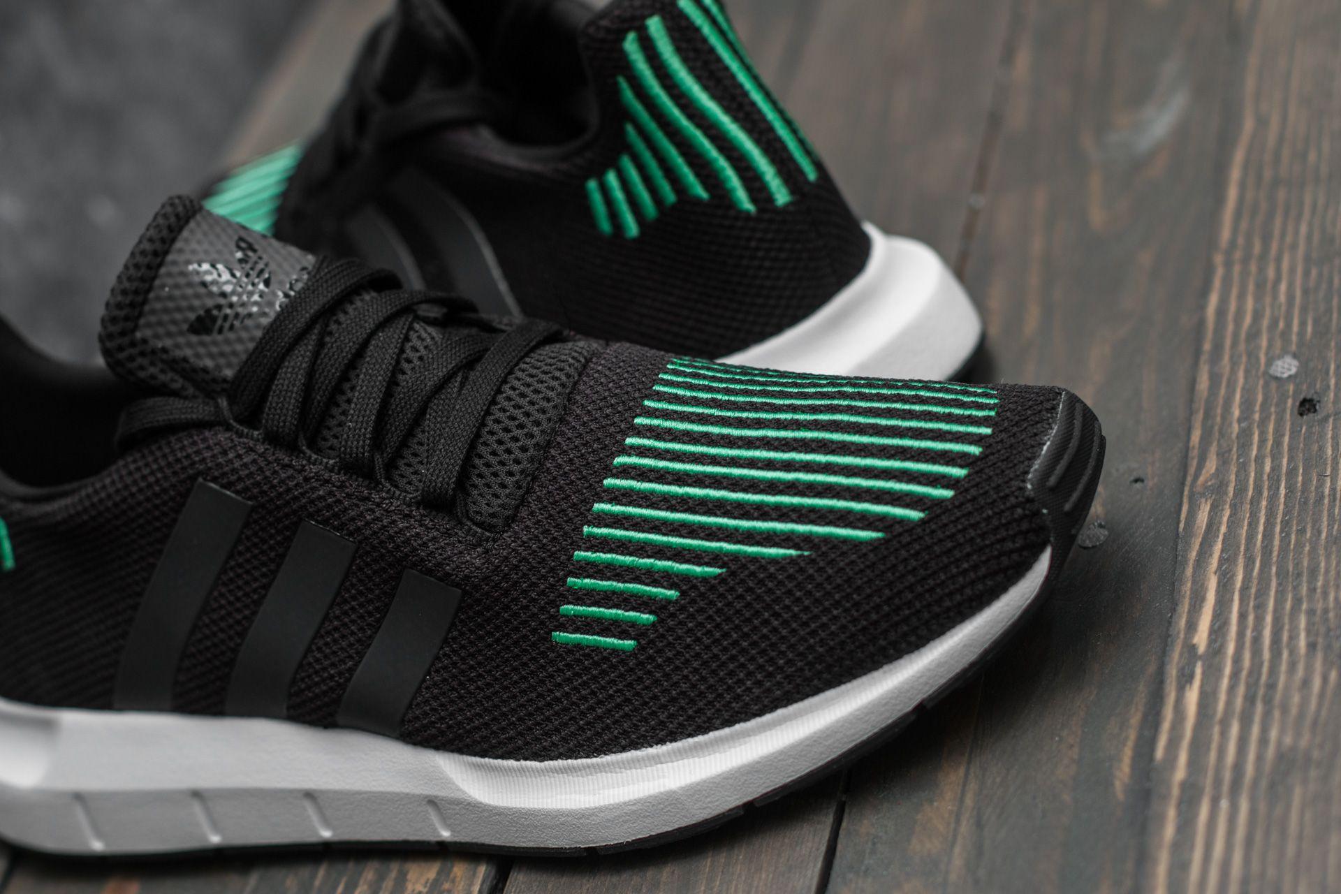adidas Swift Run Utility Black /& White Shoes