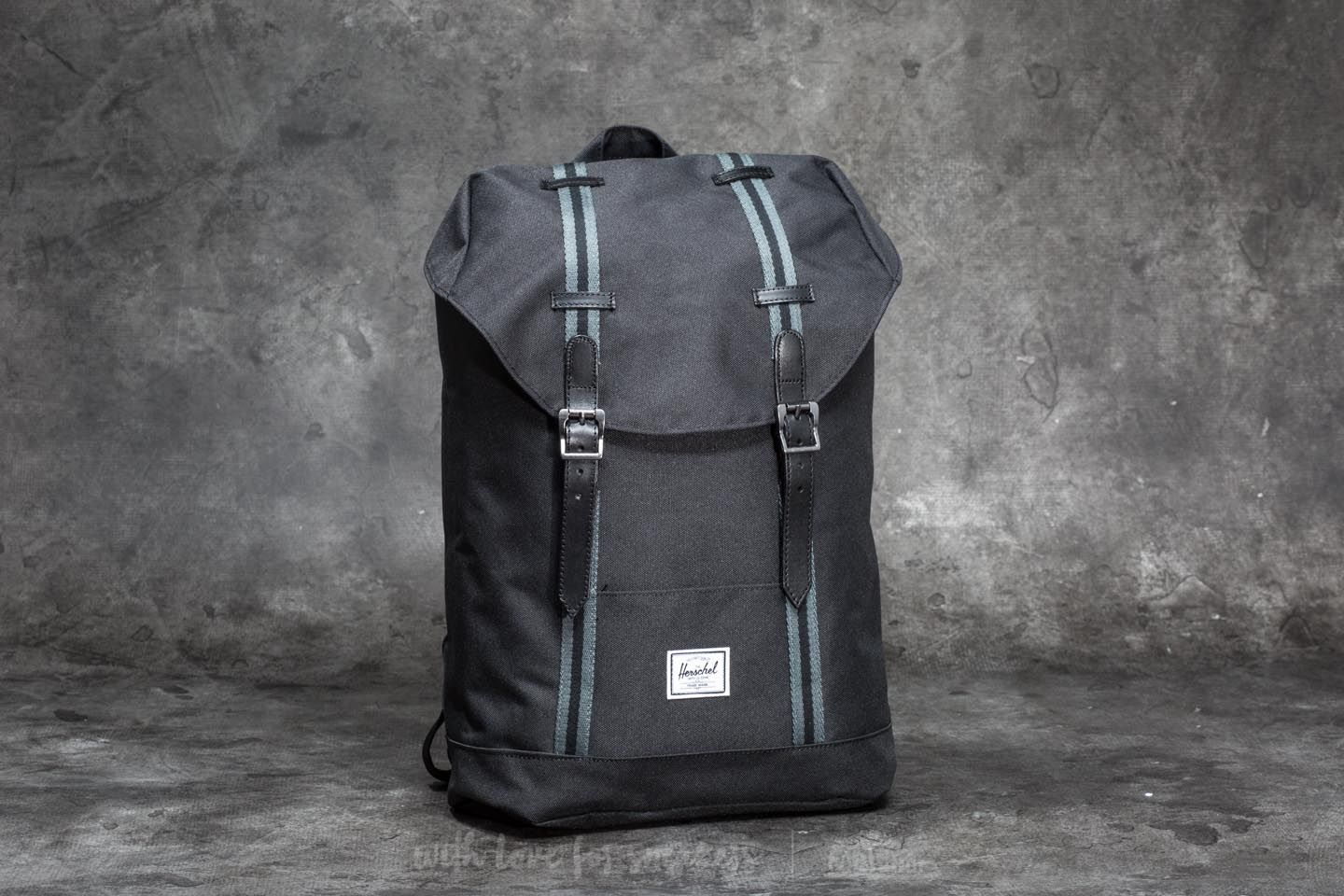 Herschel Supply Co. Retreat Mid-Volume Backpack Black/ Dark Shadow