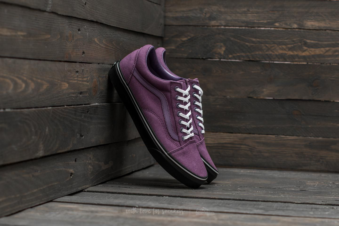 f43cf35bf6e1 Vans Old Skool (Black Outsole) Montana Grape  Black