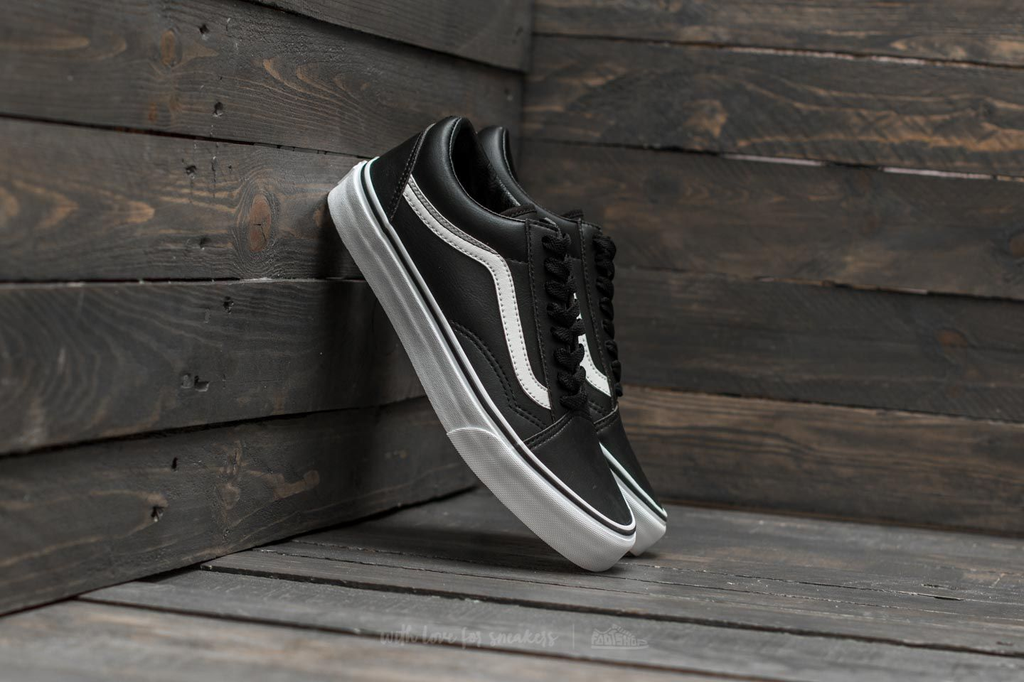 57342d4c82 Vans Old Skool (Classic Tumble) Black  True White