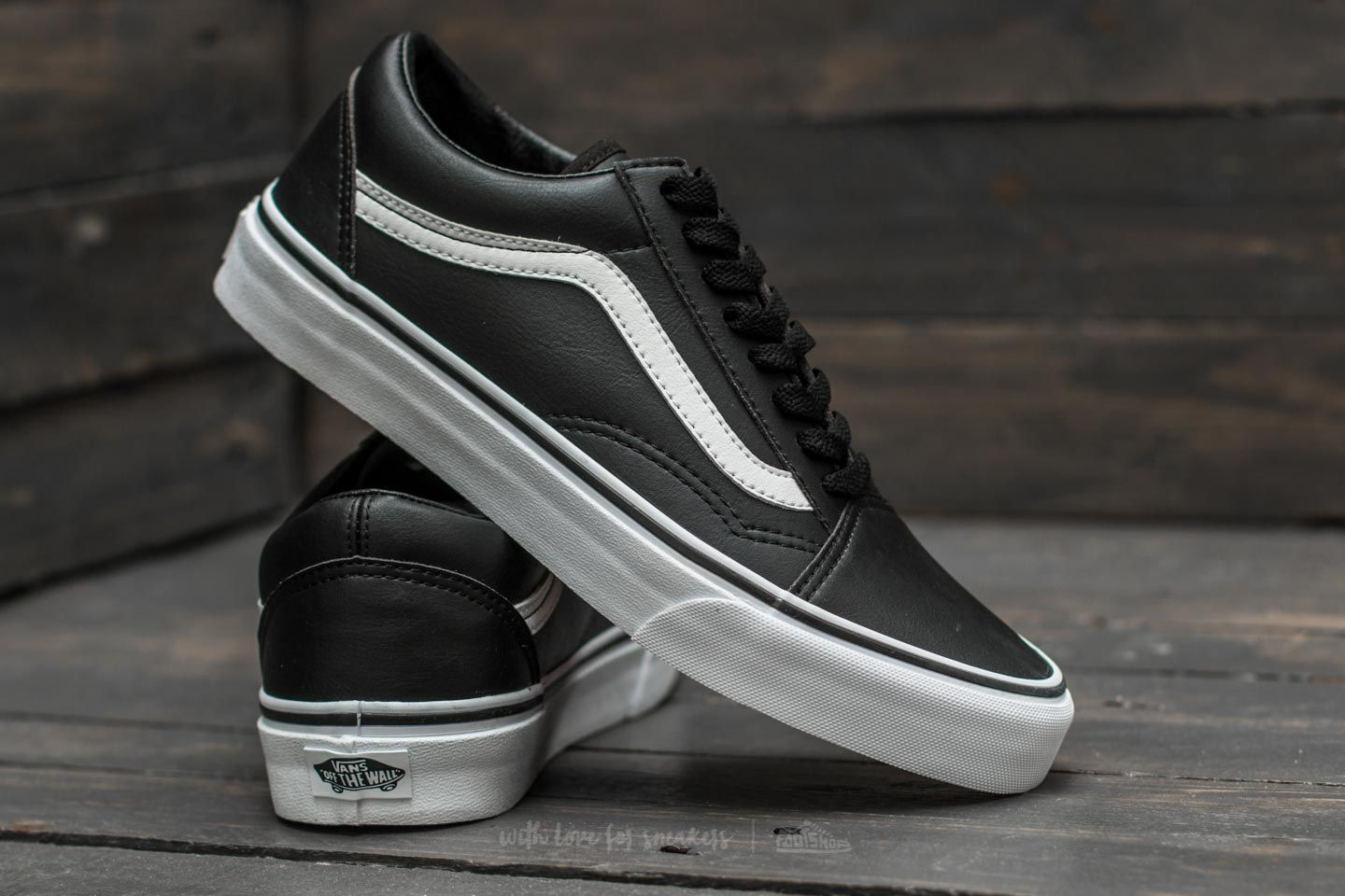 Vans Old Skool (Classic Tumble) Black  True White za skvělou cenu 1 890 25eda0634d