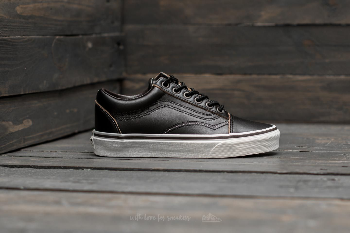 9b9cb22850c5e0 Vans Old Skool (Ground Breakers) Black  Marshmallow at a great price £29