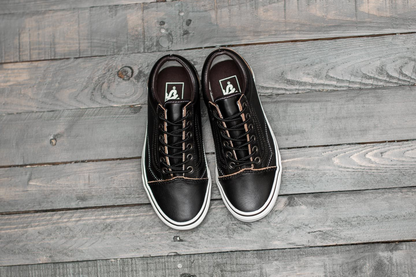 vans groundbreakers